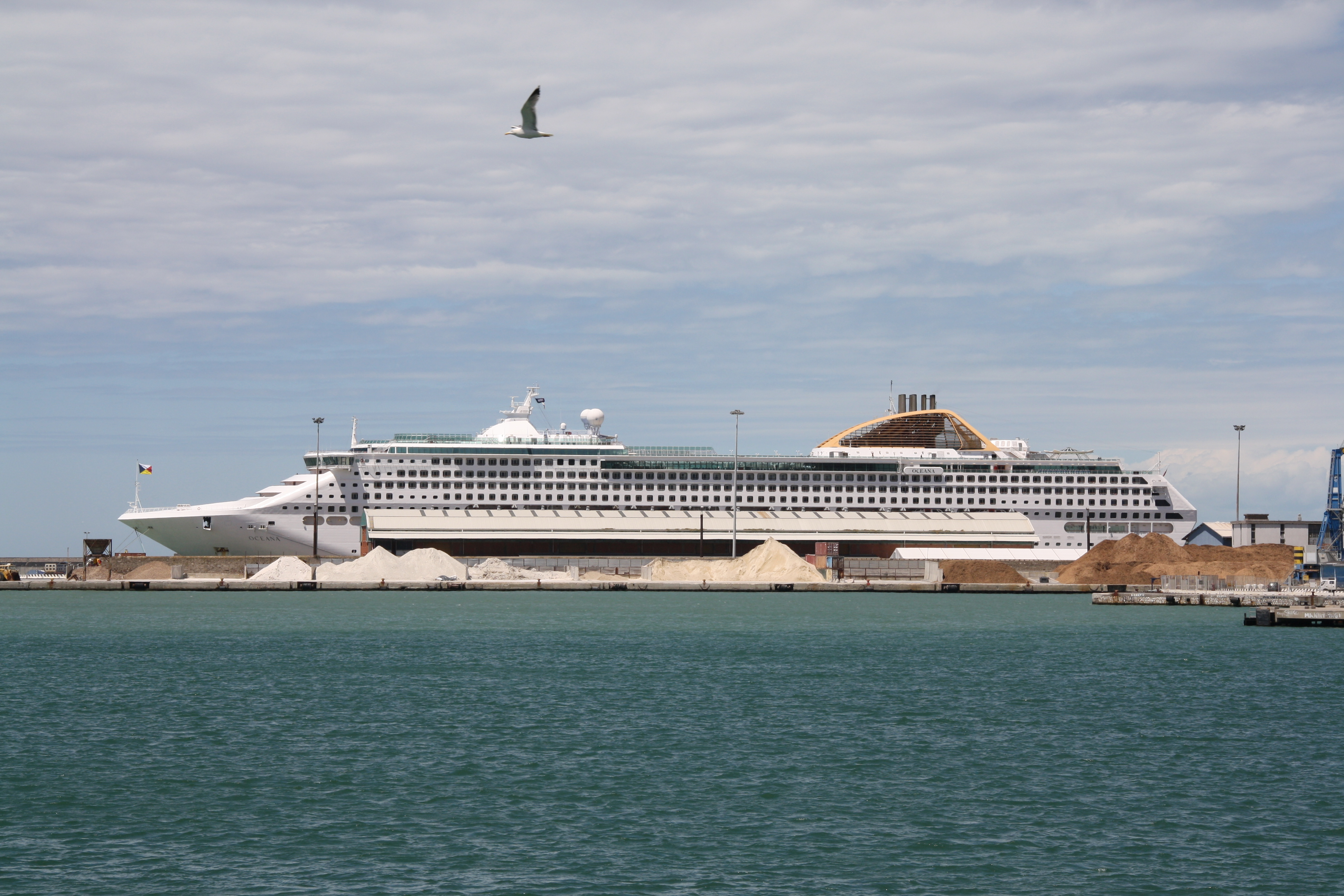 file p u0026o cruises oceana 01 jpg wikimedia commons