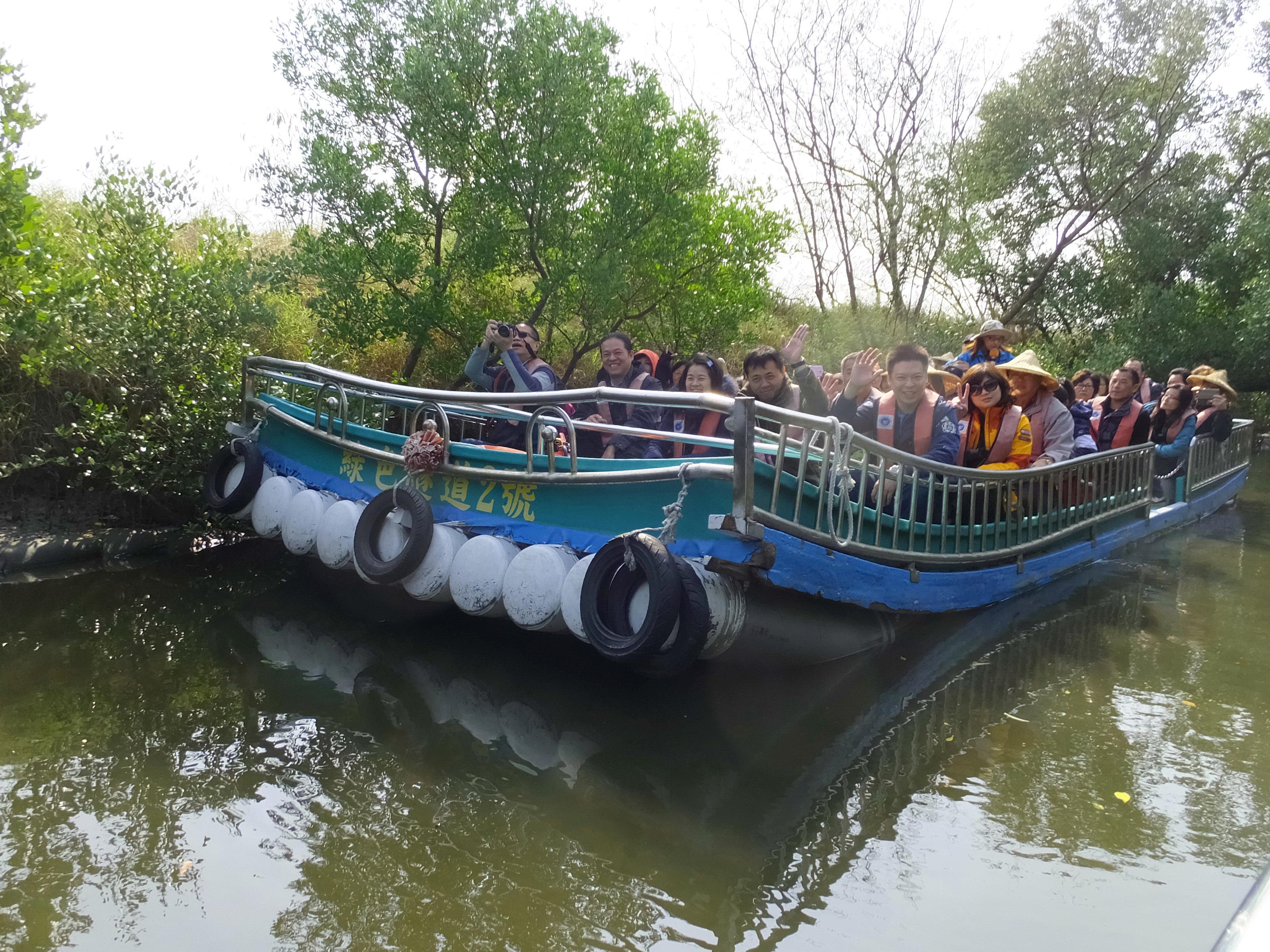 File:PVC Pipe Raft 膠筏 - panoramio jpg - Wikimedia Commons