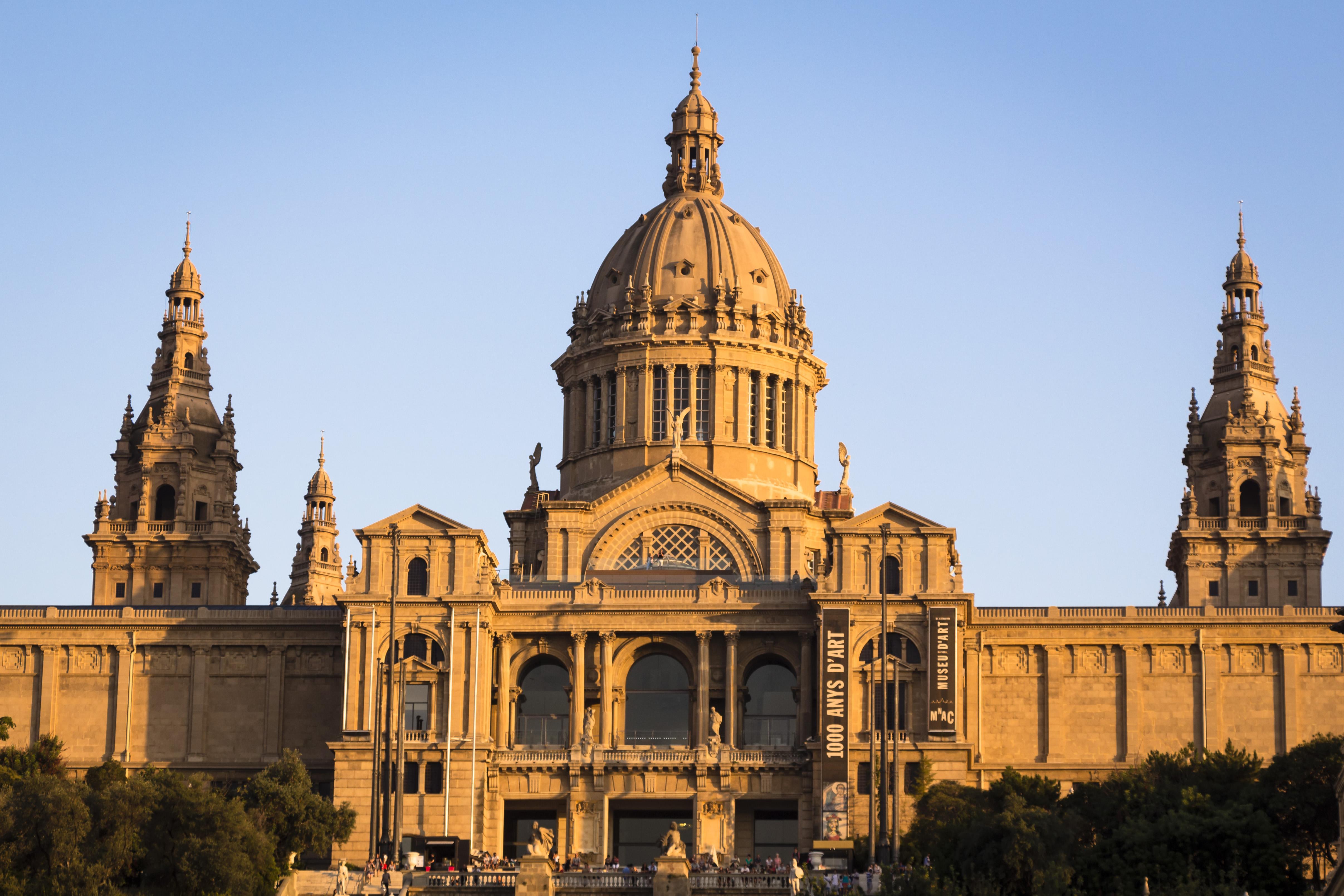 Coucher de soleil à Barcelone, Palais de Montjuic