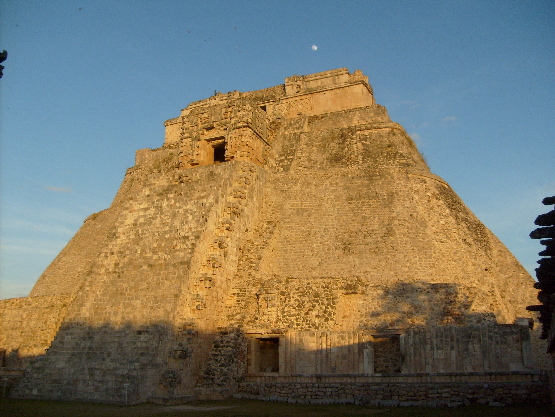 Piramide del adivino.JPG