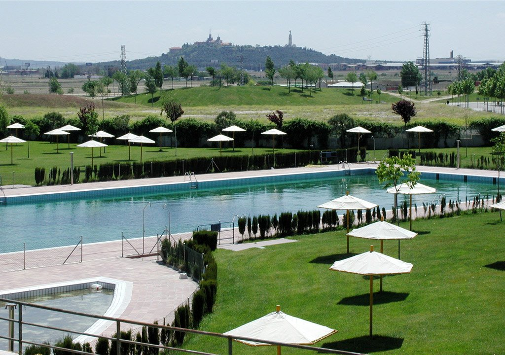File piscina wikimedia commons for Piscina climatizada madrid