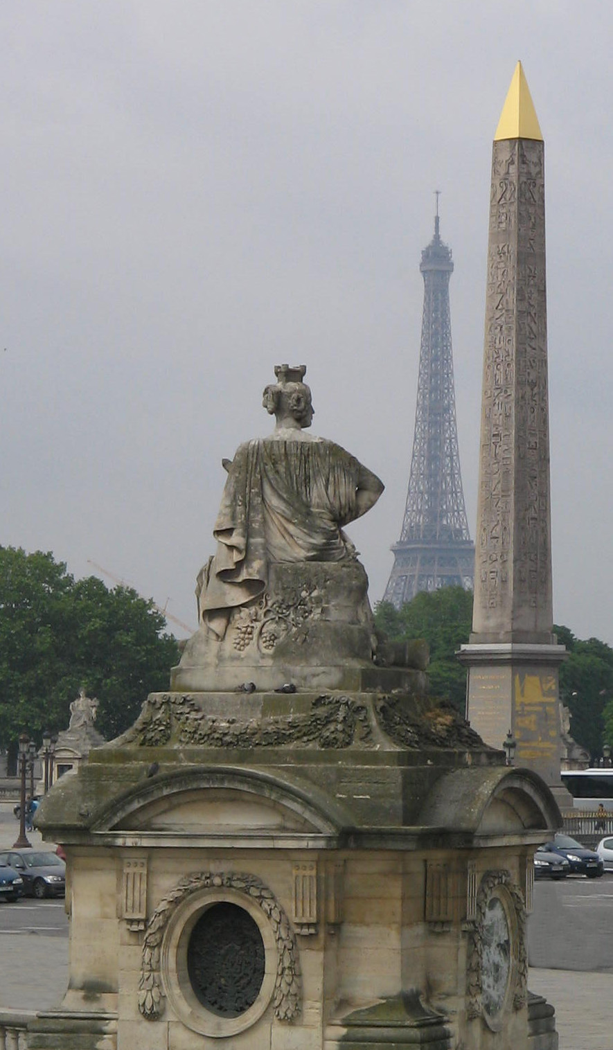 http://upload.wikimedia.org/wikipedia/commons/4/47/Place_de_la_Concorde_Paris_091.jpg