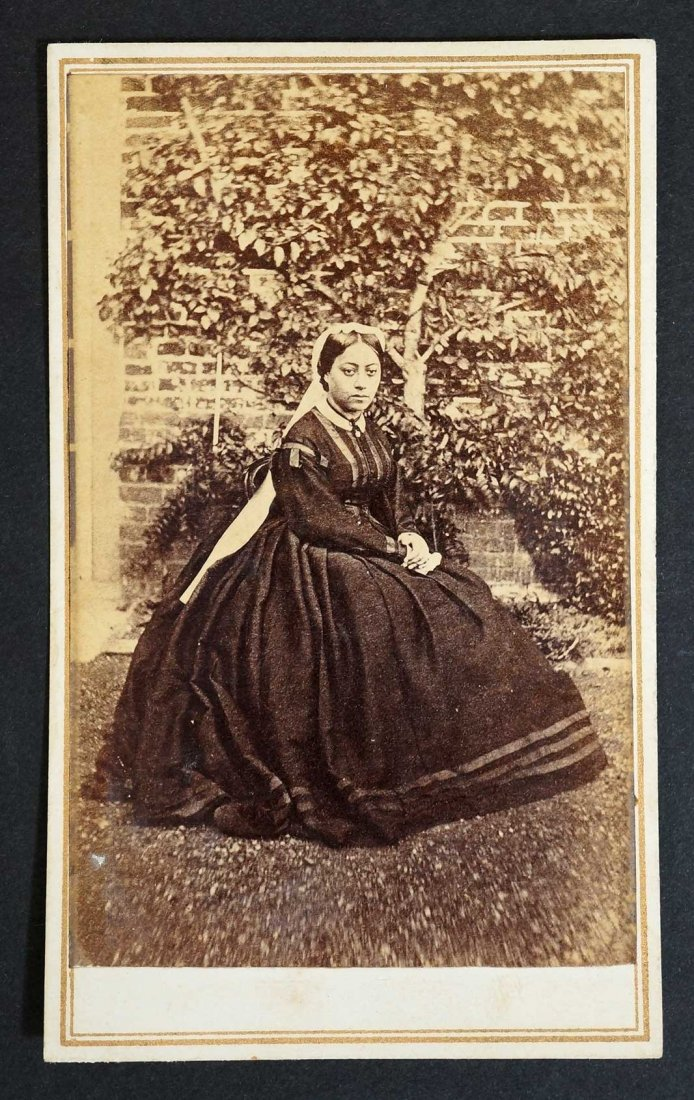 FileQueen Emma Of Hawaii In 1865 Carte De Visite By H L Chase