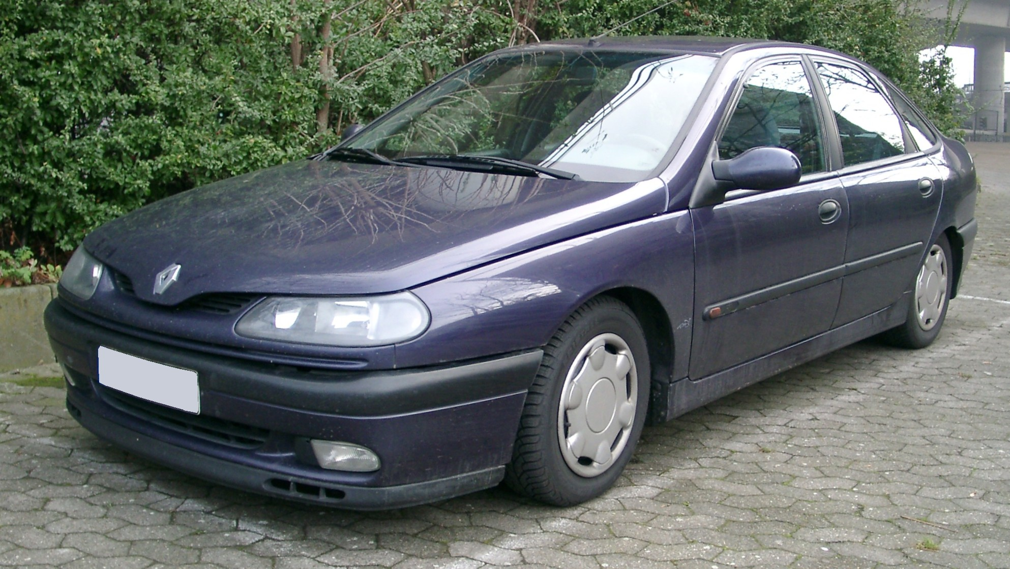 photo of Eric Cantona Renault Laguna - car