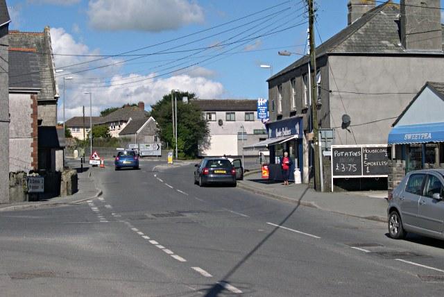 Roche Crossroads - geograph.org.uk - 342493