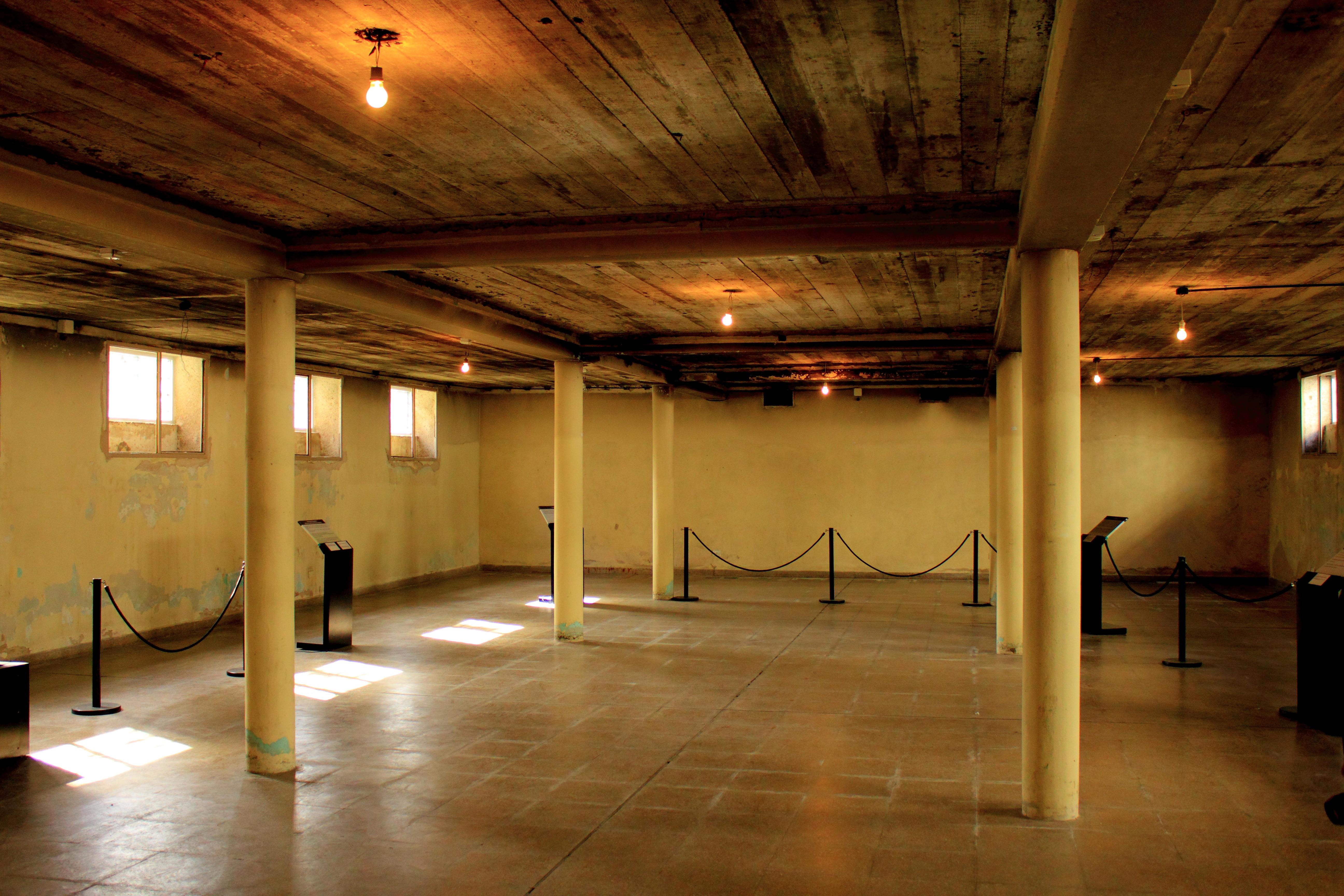 Archivo s tano casino esma 2 jpg wikipedia la - Bodegas en sotanos de casas ...