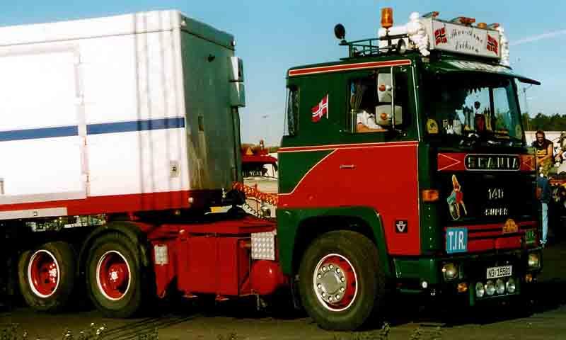 File:Scania 140 Truck.jpg - Wikimedia Commons
