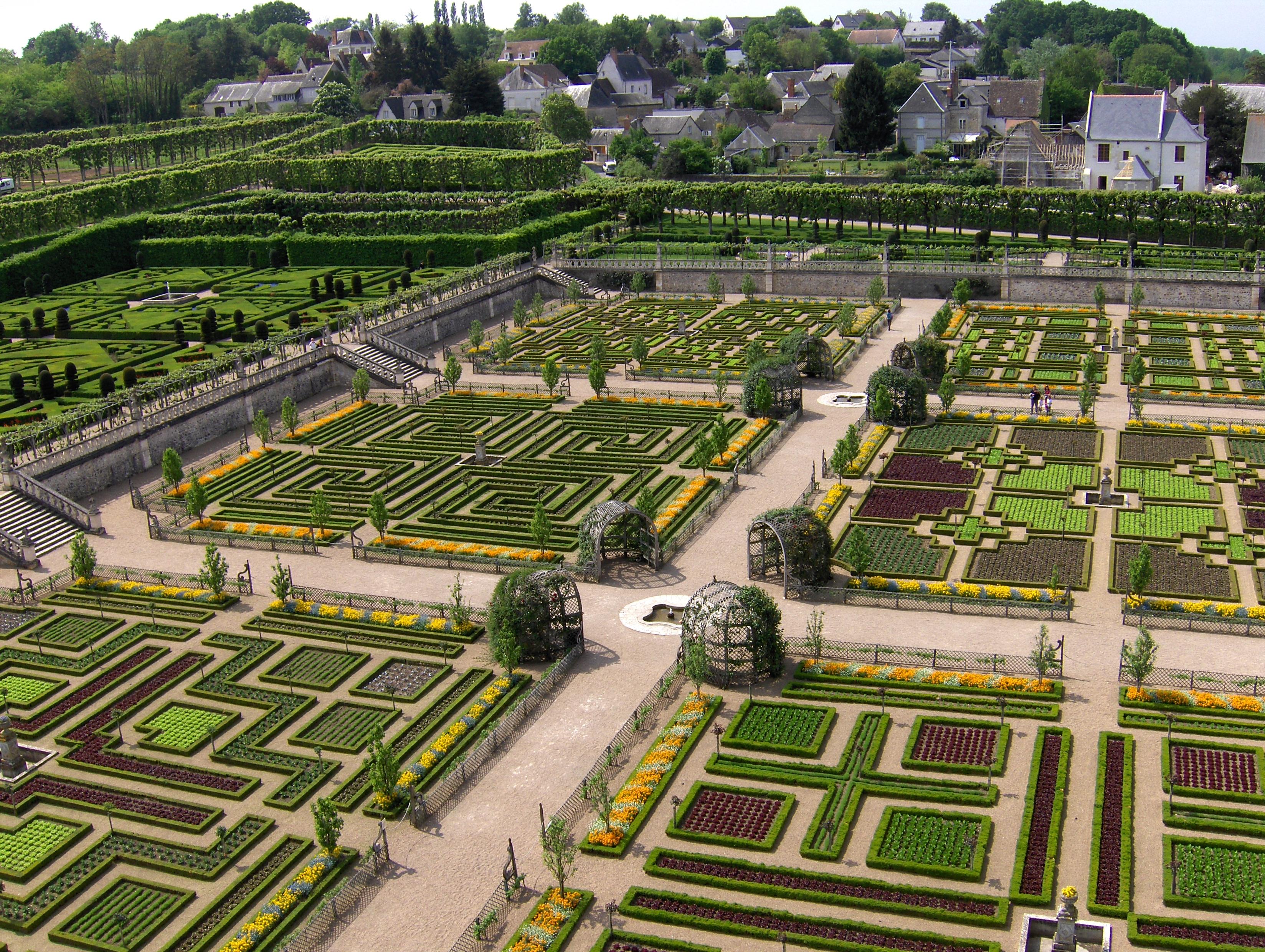 Garden Of Love At Chateau De Villandry Most Romantic Gardens In