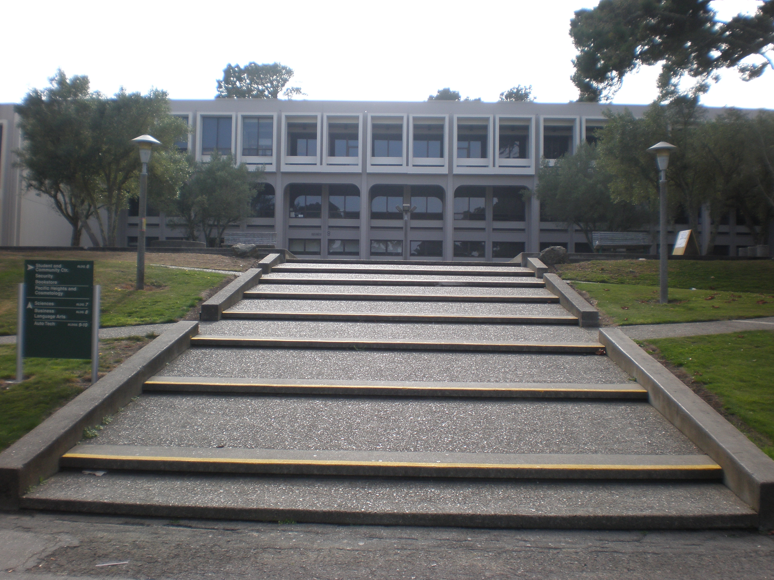 File:Skyline College Building 8 front.JPG - Wikimedia Commons