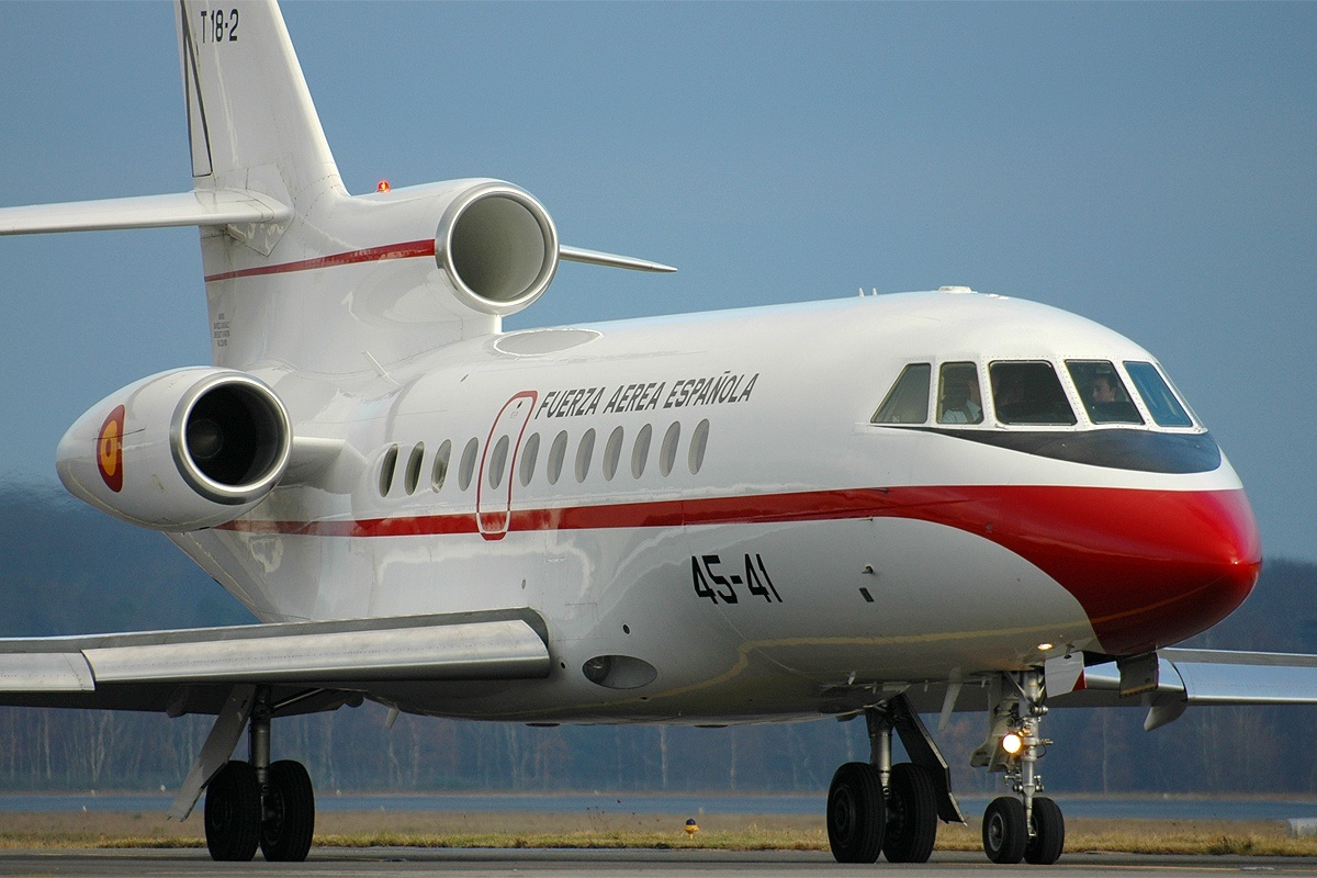 Cool jet airlines dassault falcon 900 dx interior - A Spanish Air Force Falcon 900b