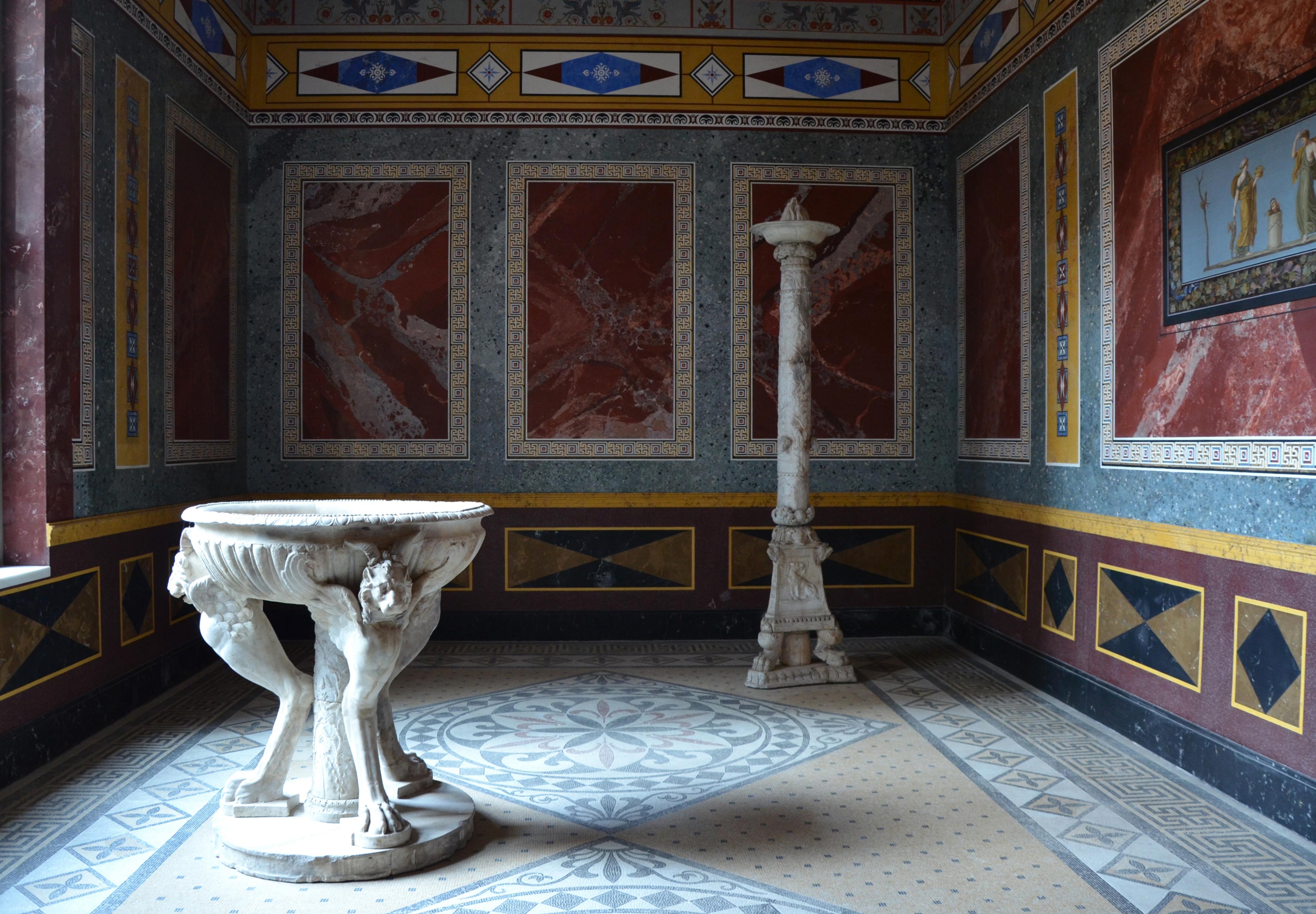 File Summer Triclinium Idealized Replica Of A Roman Villa