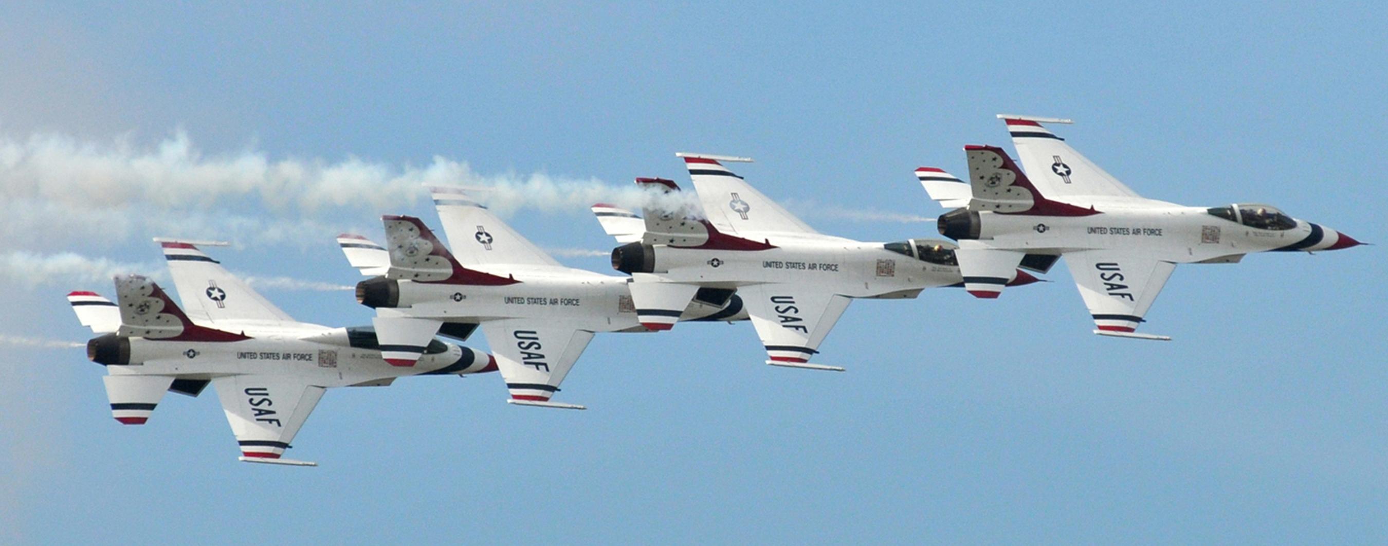 File Usaf Thunderbirds 090407 F 4827b 503 Jpg Wikimedia