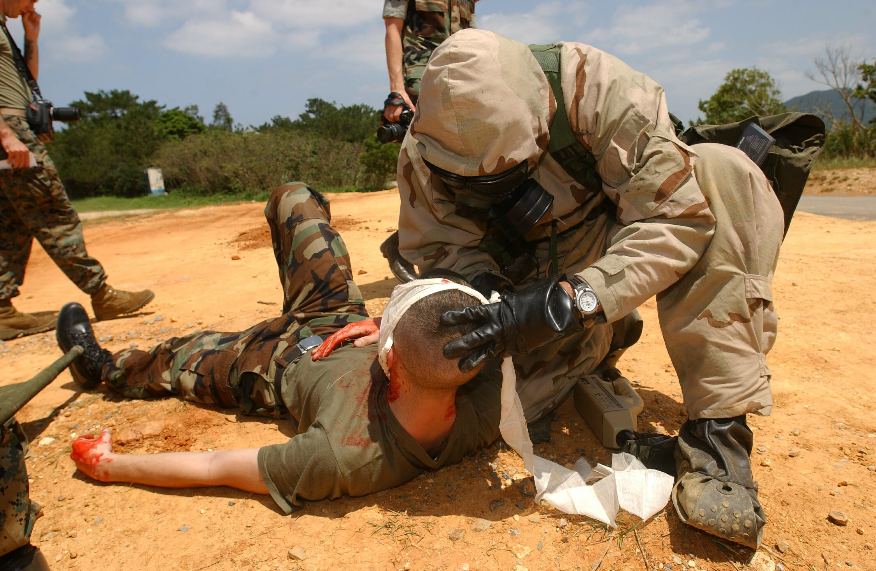 File:US Navy 030428-M-1852W-031 Hospital Corpsman 2nd Class Fredd ...