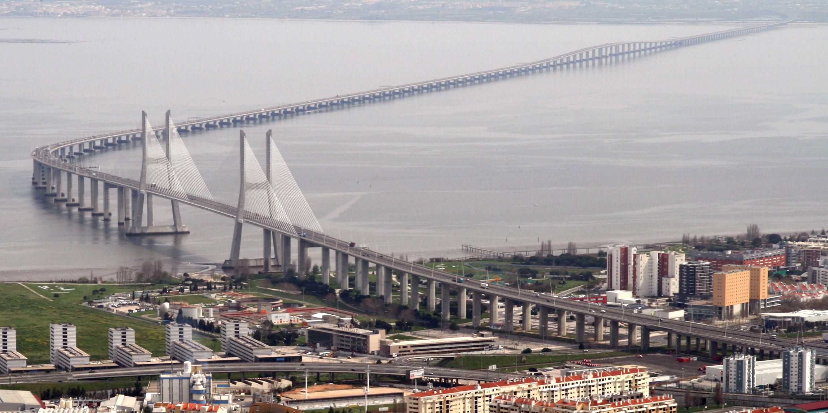 Vasco da Gama Bridge - Wikipedia