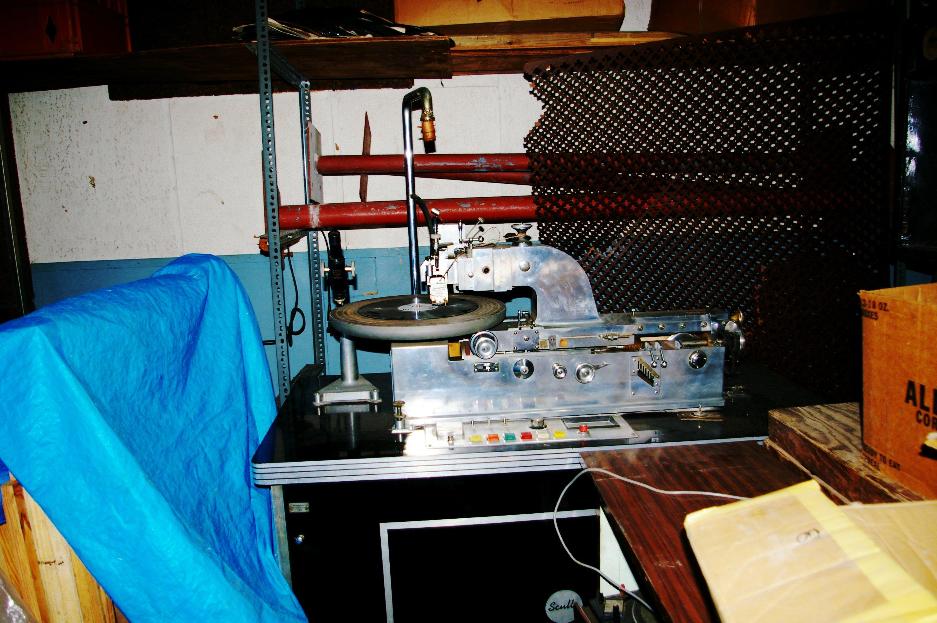 File Vinyl Pressing Machine Jpg Wikimedia Commons