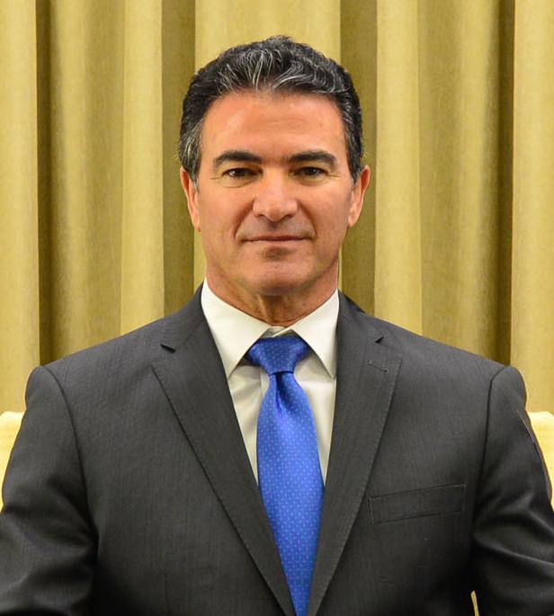 Йоси Коэн  — директор службы внешней разведки Израиля «Моссад».