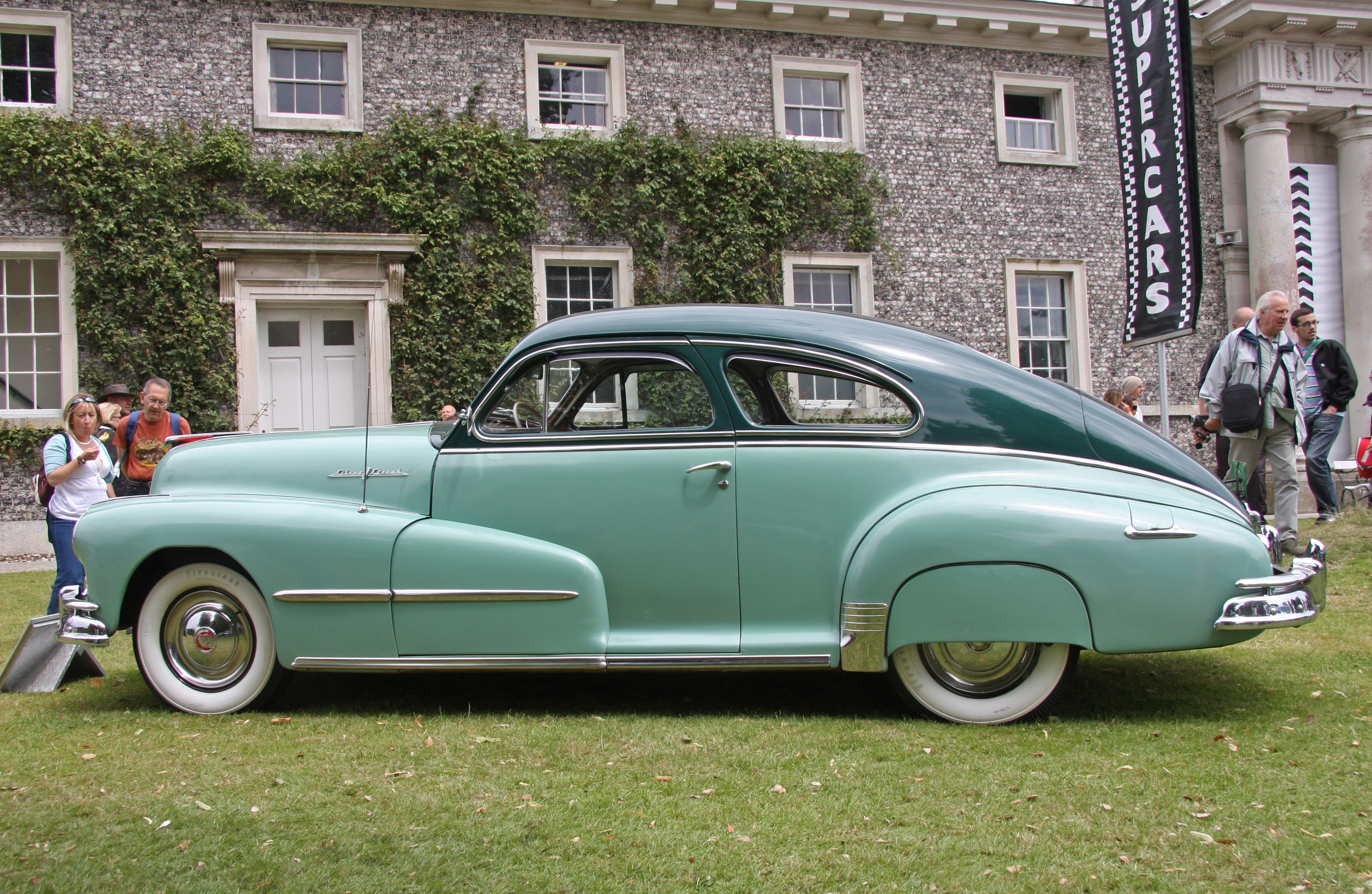 File 1948 Pontiac Streamliner Deluxe Flickr Exfordy 2