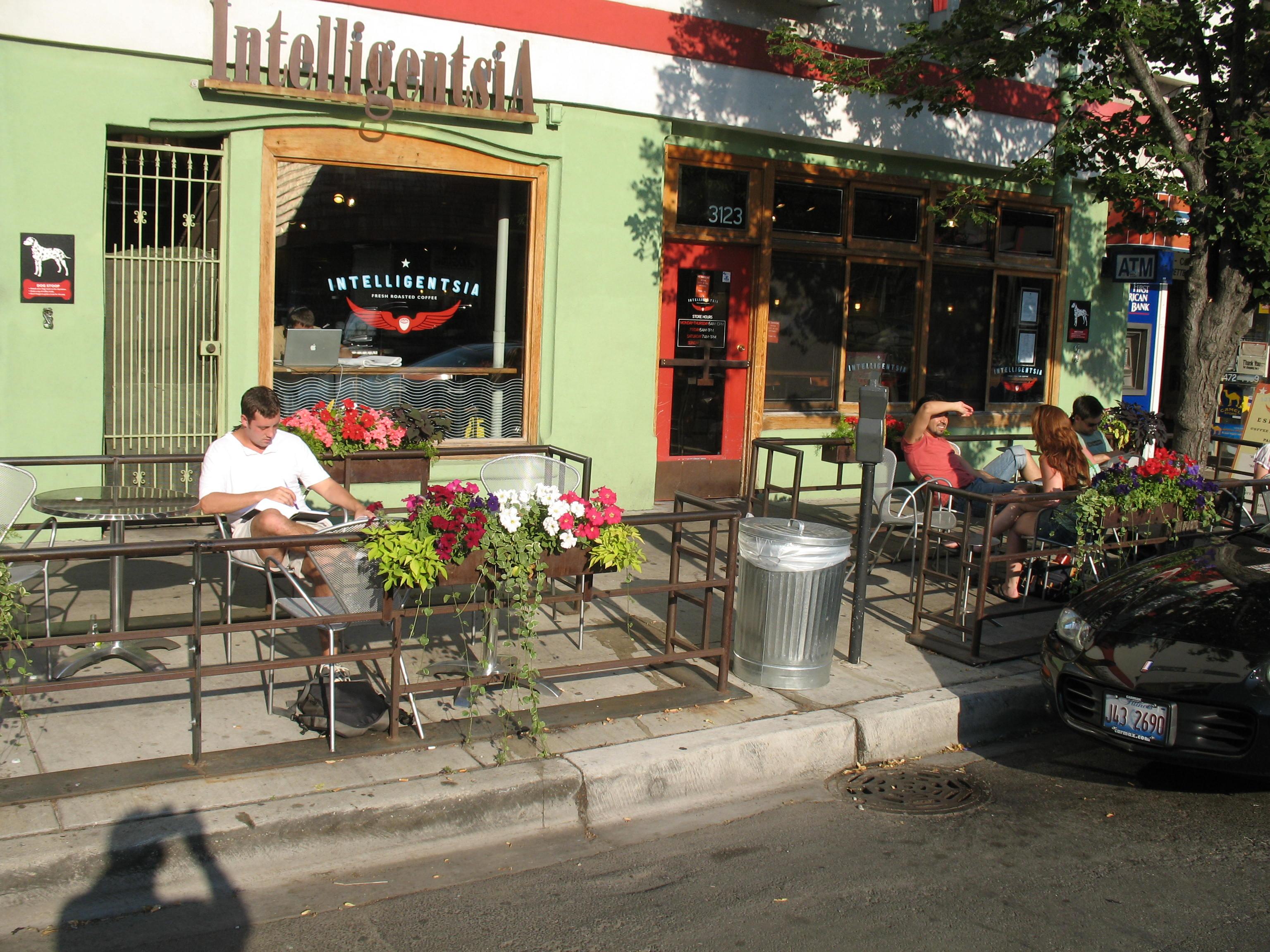Outdoor Restaurants Downtown Mount Clemens Michigan