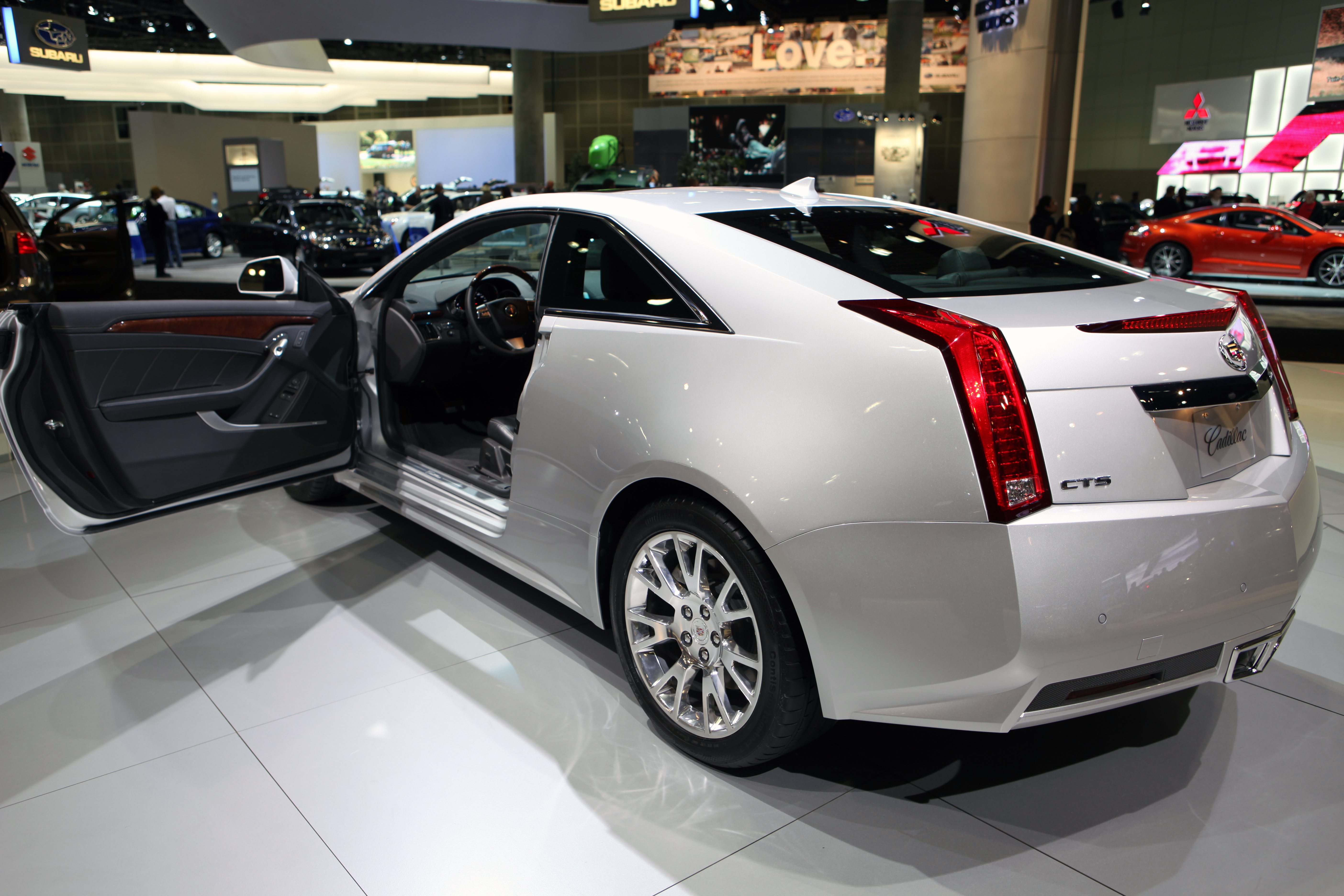 File 2011 Cadillac Cts Coupe Rear 2 Jpg Wikimedia Commons