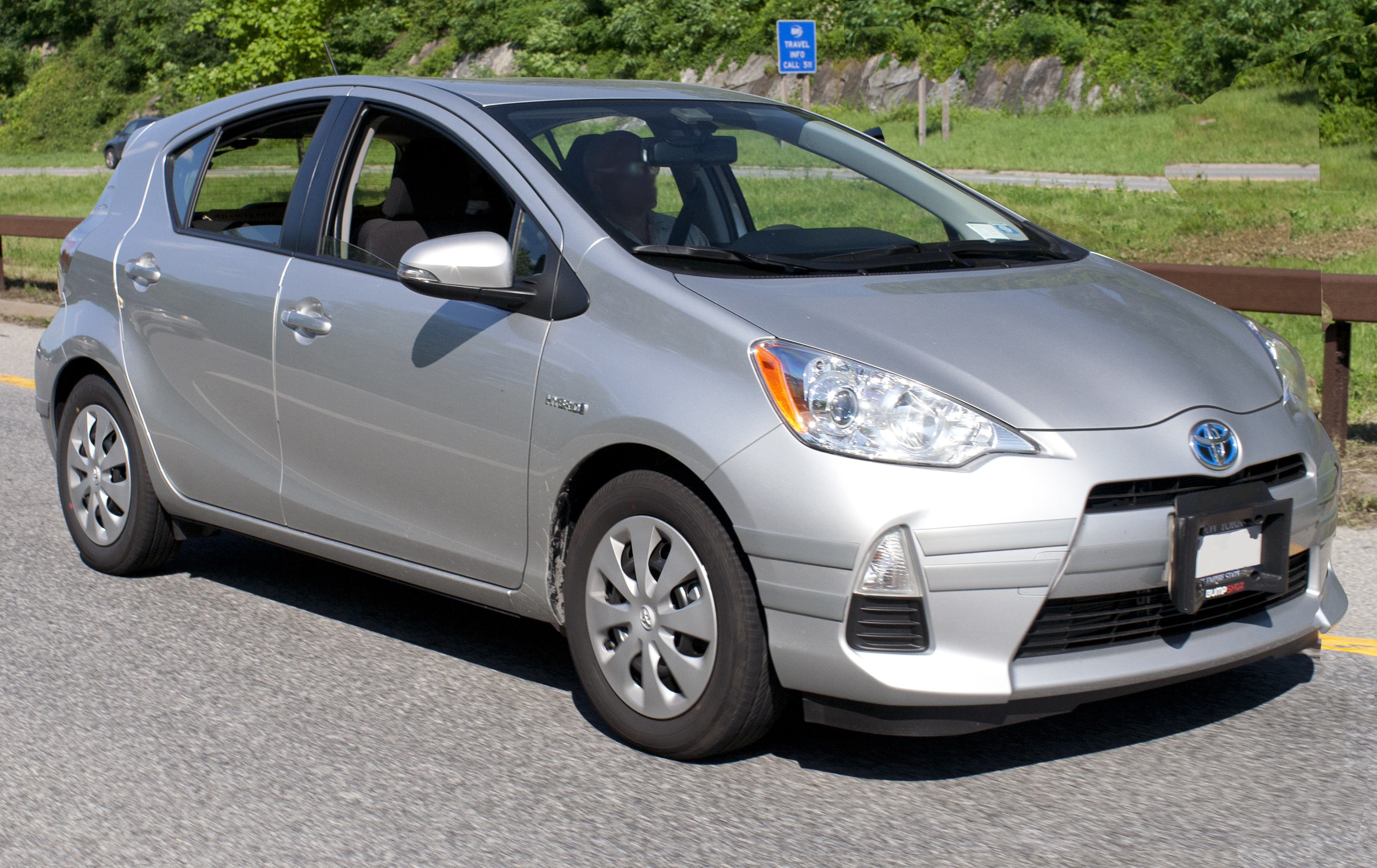 File 2012 Prius C On The Hutch Jpg Wikimedia Commons