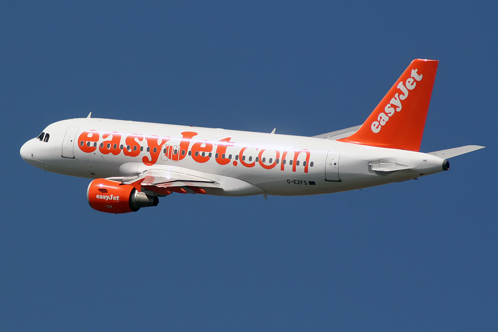 easyjet a319 - photo #18