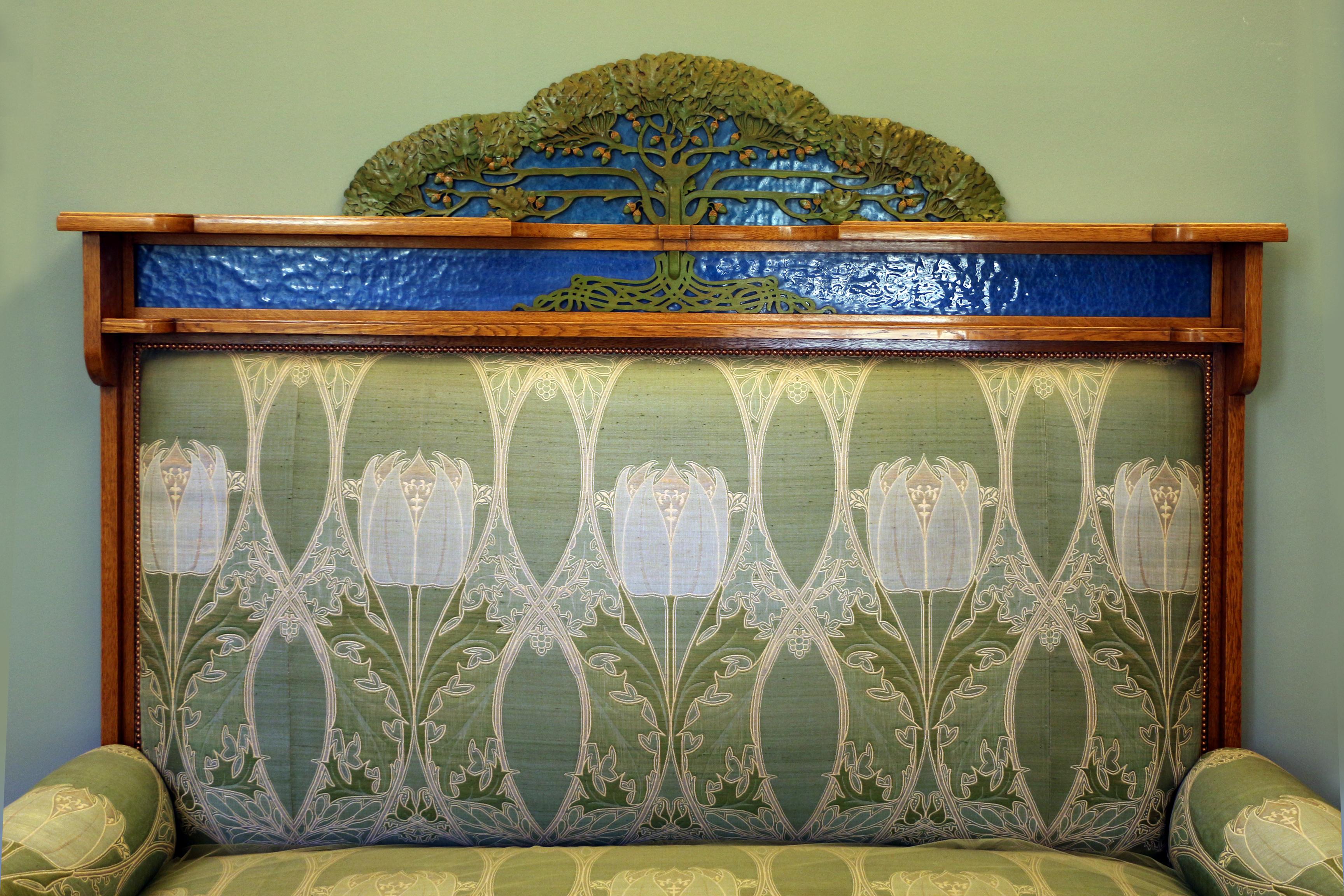 File:Alberto issel, salotto-soggiorno, 1902 ca., divano 02.jpg ...