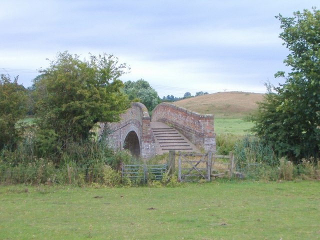 Approaching Jackson's Bridge - geograph.org.uk - 219361