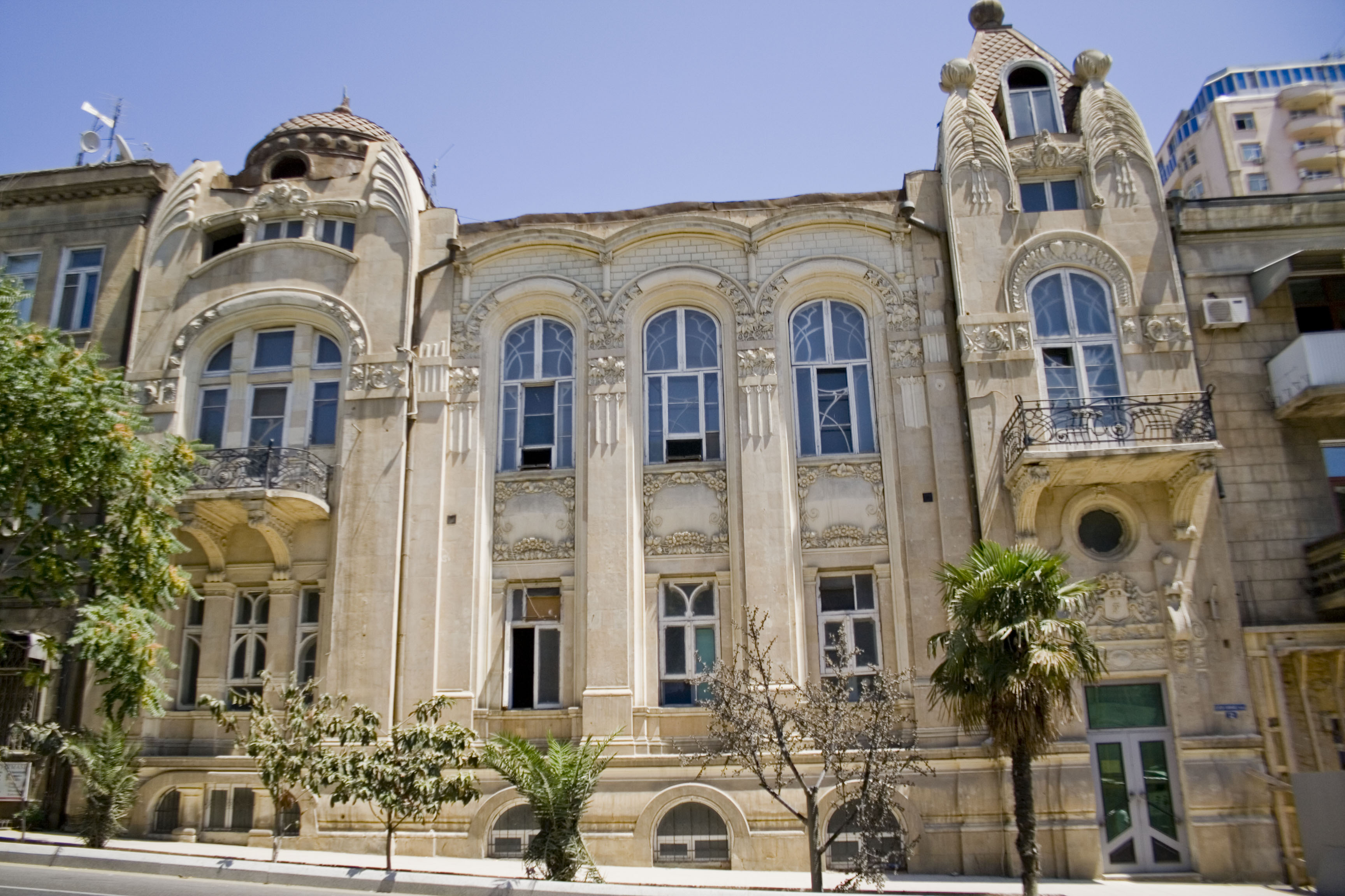 3 with File Art Nouveau Building In Baku on 42555232 0 further Wohnen Im Landhausstil moreover Wisma Sanyan likewise The California Loft Of Dave Navarro together with 4dd53bcdfa7645a53caaca6f.