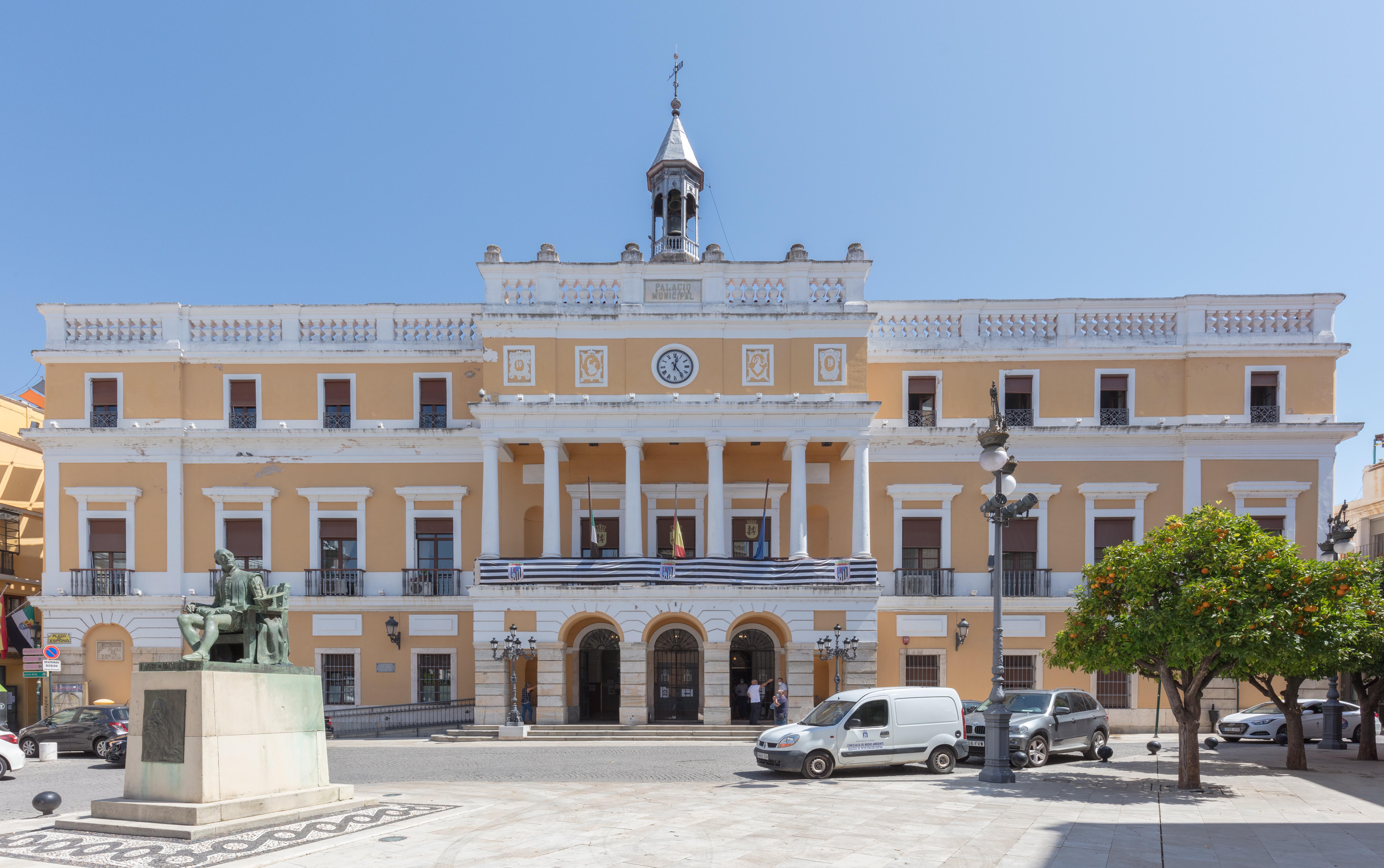 File:Ayuntamiento, Badajoz, España, 2020-07-22, DD 07.jpg ...