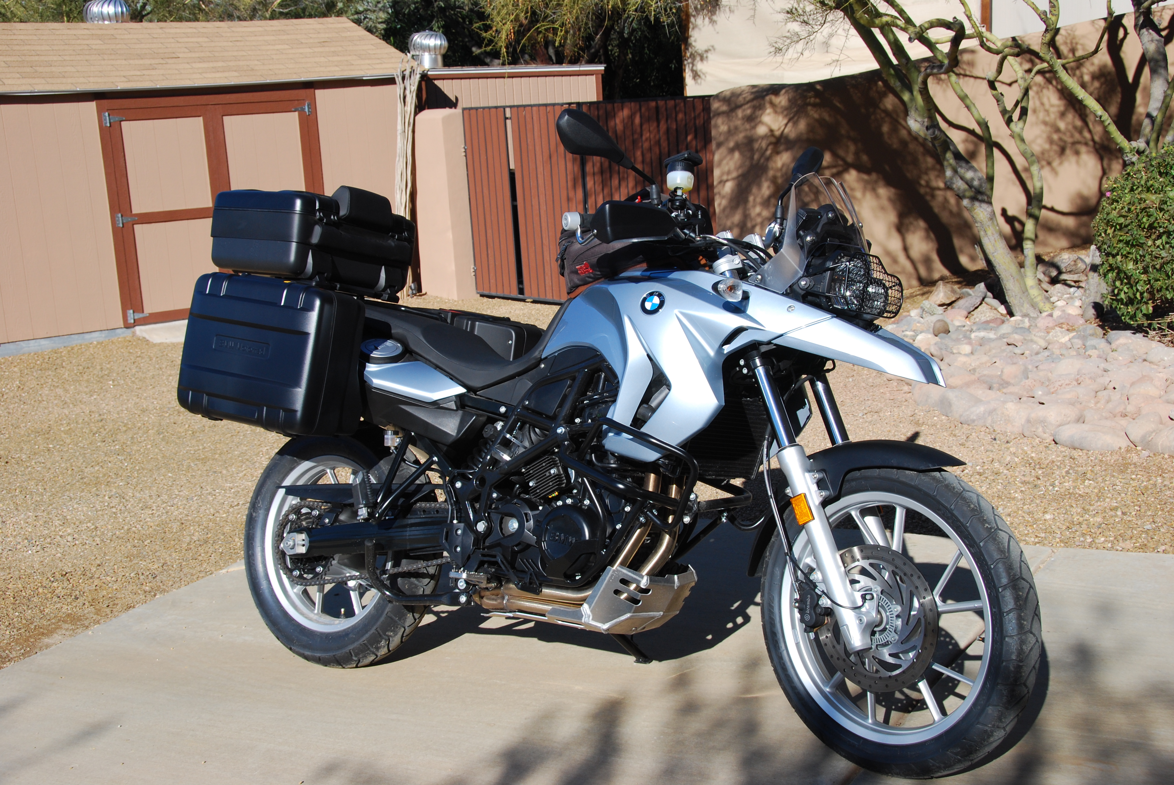 Rifle Classic Windshield Suzuki Savage 650 Boulevard S40 in addition Meet The Xs Part 1 Bmw G650x Challenge Dare You To together with Honda Crf250l Multi Use Pannier Rack besides Build Scrambler Motorcycle as well 351634 Jerky Snatchy Throttle Fix 4. on klr 650 bmw