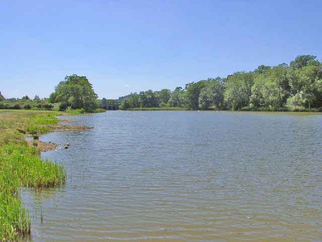 Belvoir Lower Lake - geograph.org.uk - 28112