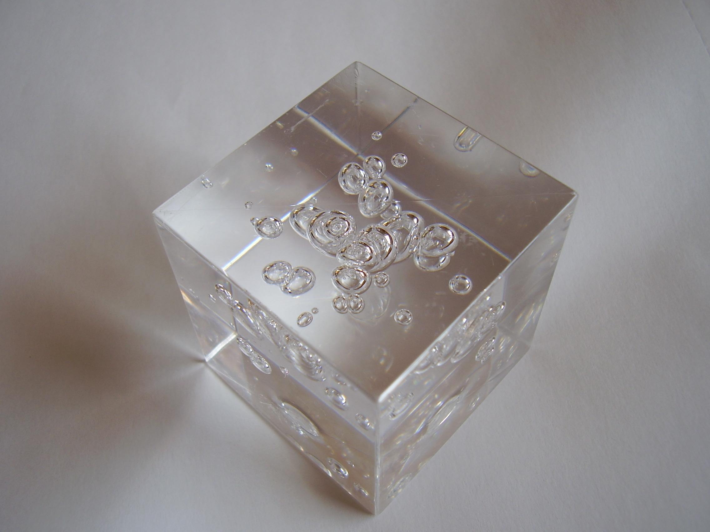 Datei:Blasen im Kunststoff 1.JPG – Wikipedia