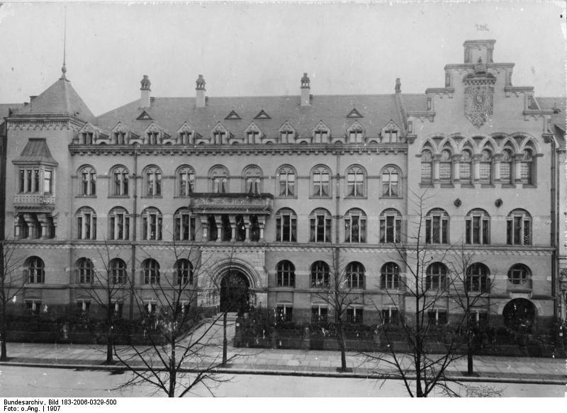 Das Kaiserliche Gesundheitsamt in der Klopstockstrasse in Berlin um 1900 - Bundesarchiv, Bild 183-2006-0329-500 / CC-BY-SA 3.0