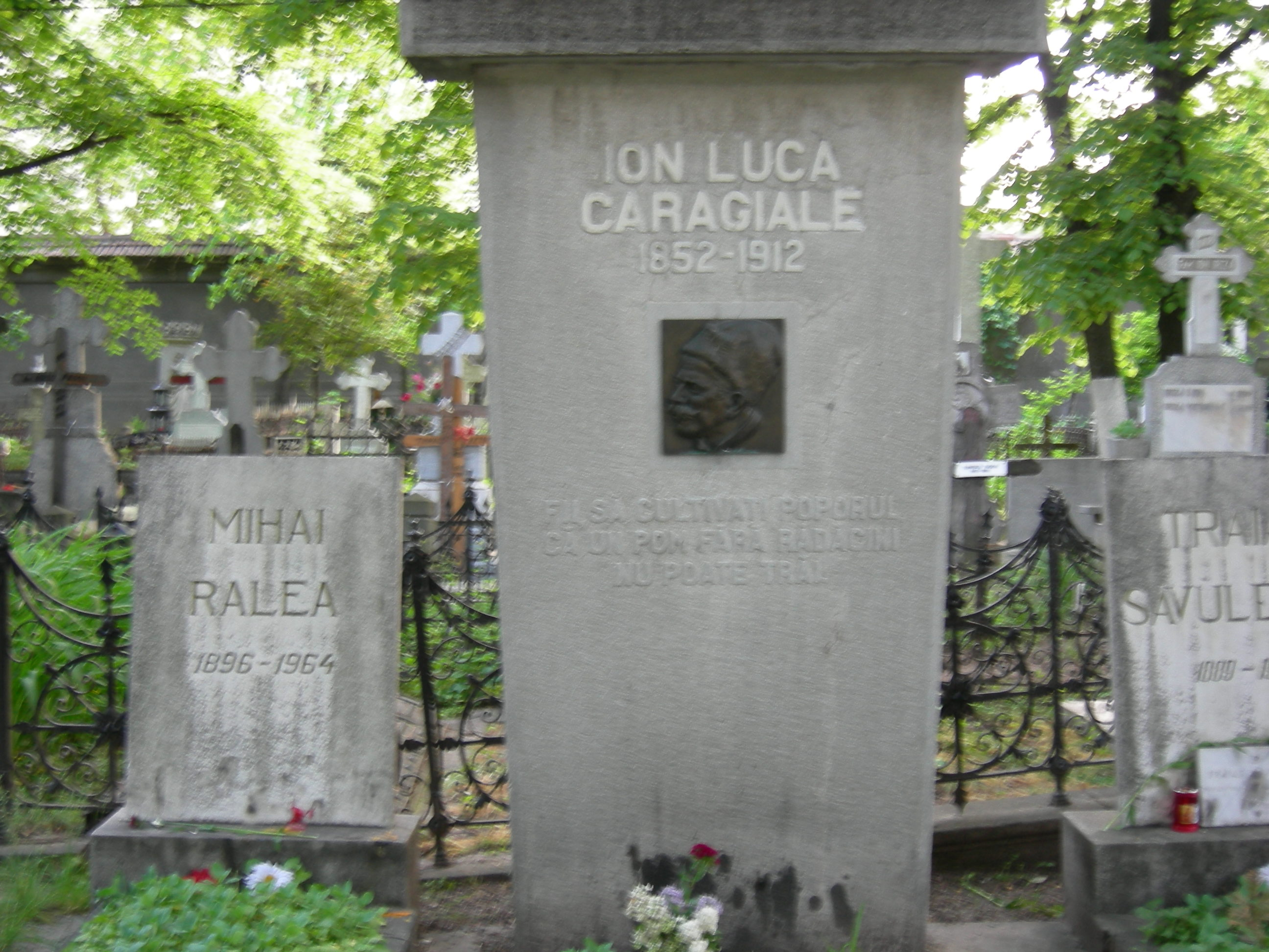 Caragiale grave
