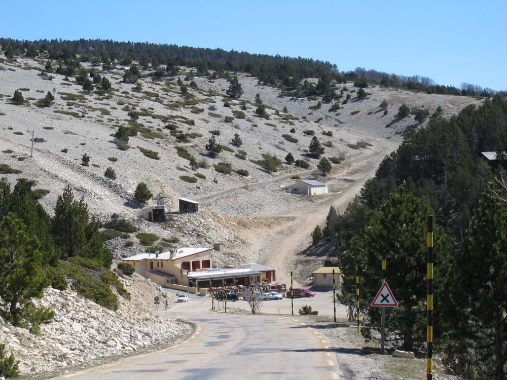 file chalet reynard pr 232 s du sommet du ventoux jpg wikimedia commons