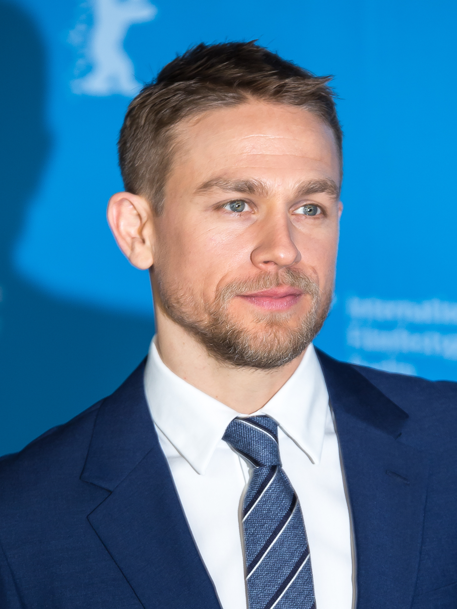 The 40-year old son of father (?) and mother(?) Charlie Hunnam in 2020 photo. Charlie Hunnam earned a unknown million dollar salary - leaving the net worth at 8 million in 2020