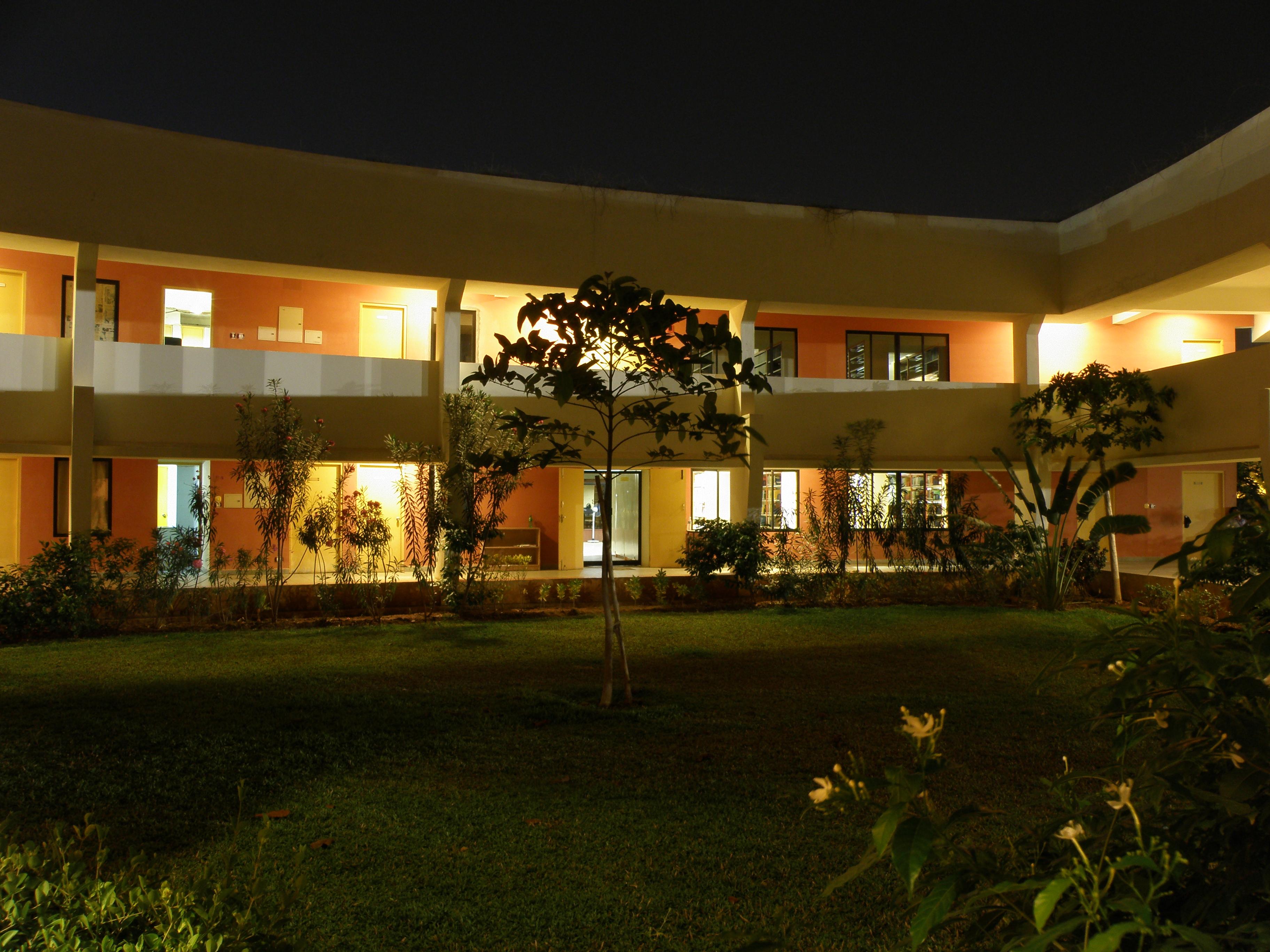 file chennai mathematical institute main building greenery