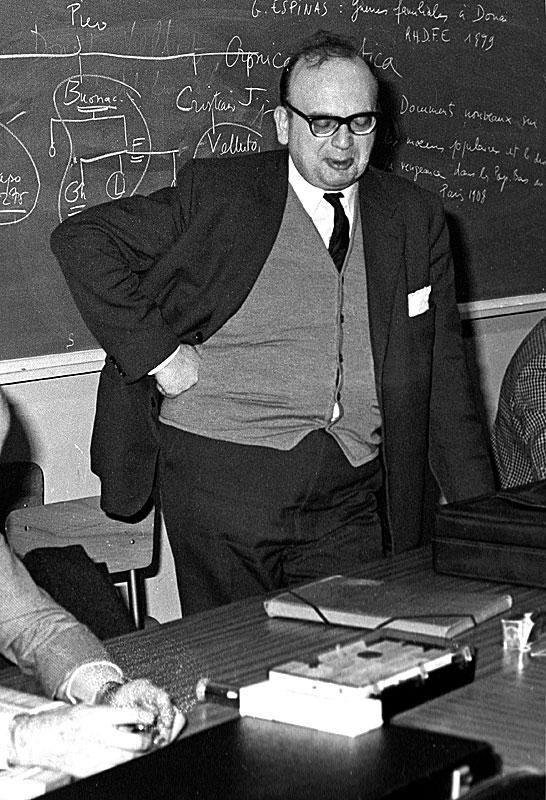 Professeur Raymond Chevallier à son séminaire de l'École des Hautes Études en Sciences Sociales de Paris