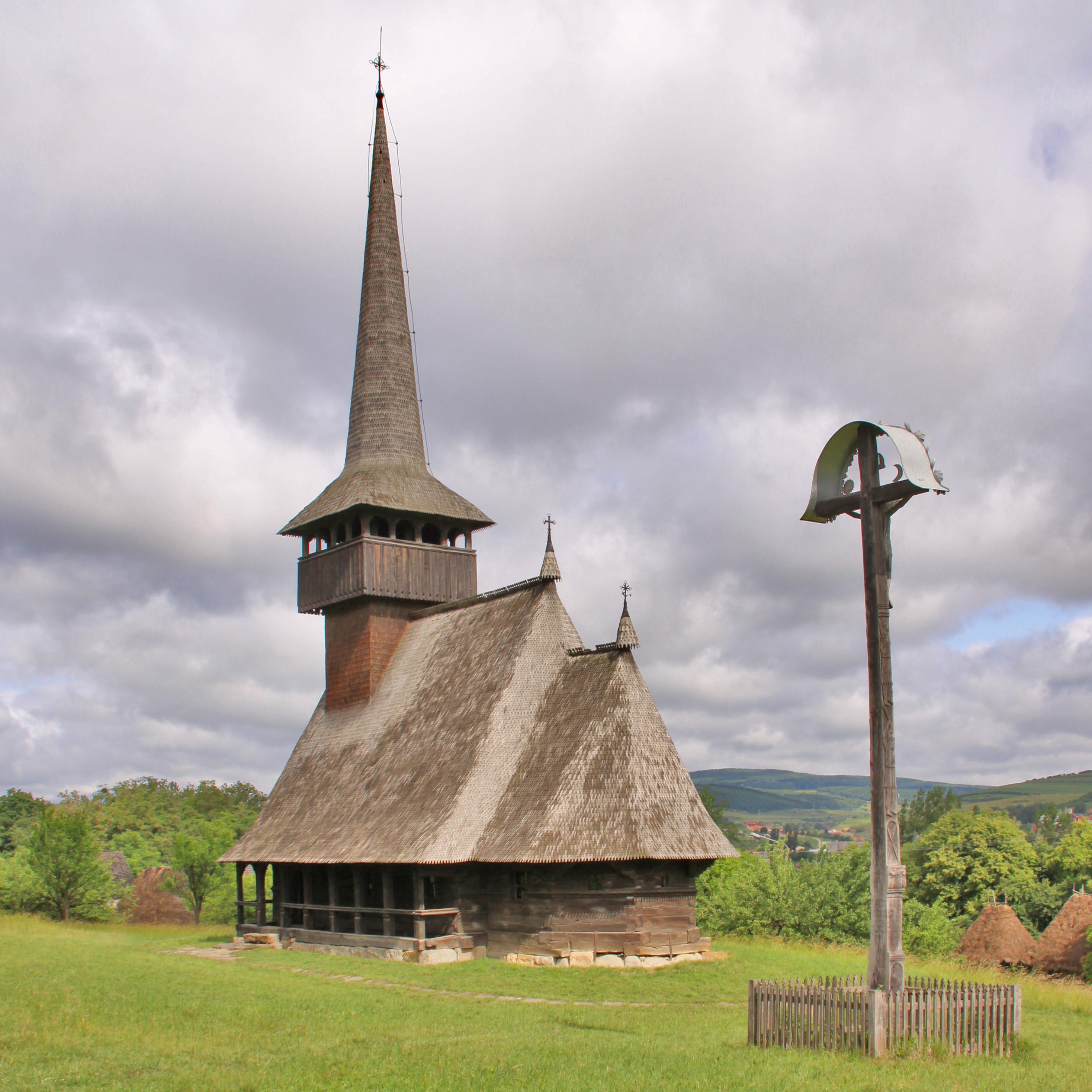 Imagini pentru biserica lemn