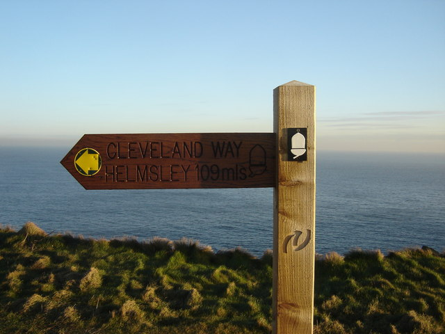 File:Cleveland Way Signpost. - geograph.org.uk - 1036366.jpg