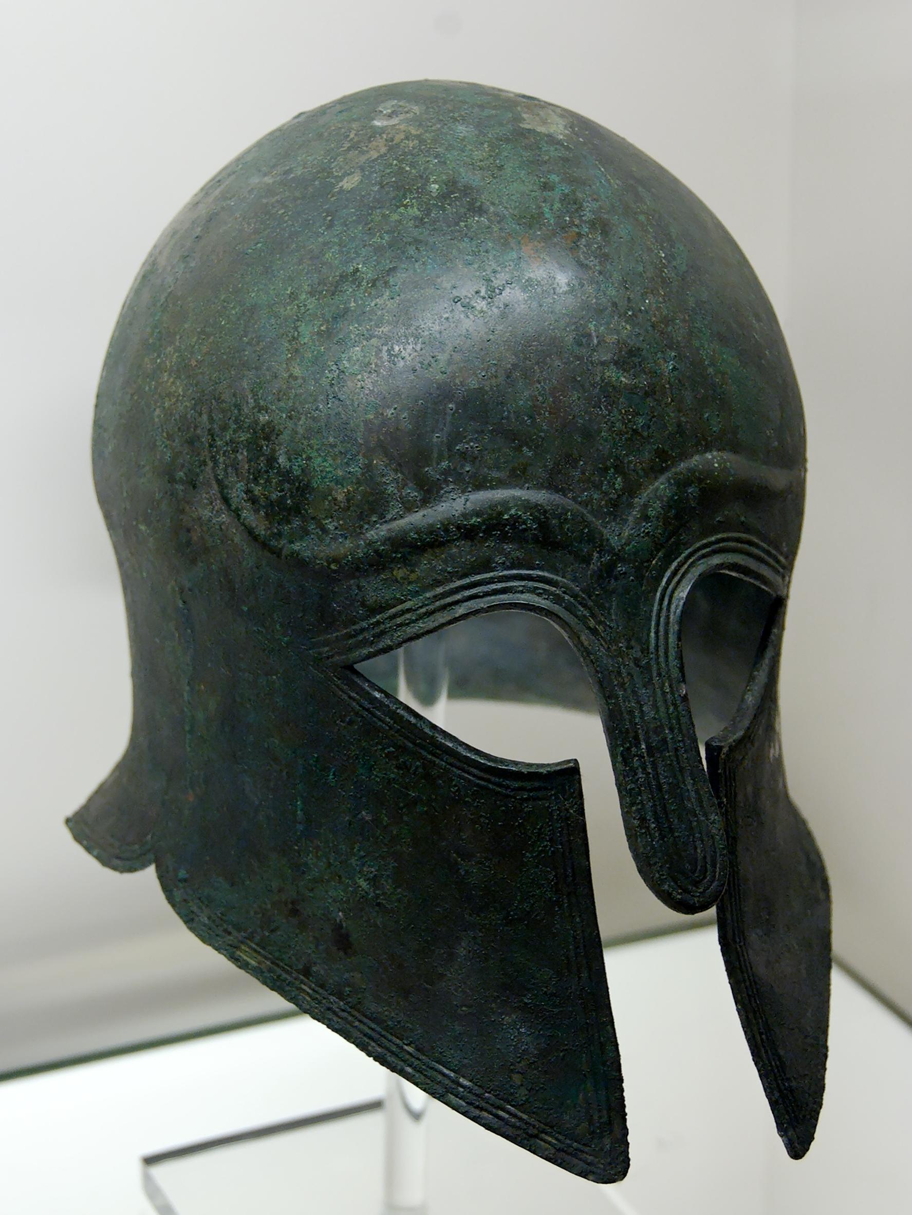 Corinthian helmet BM 2838 Ngang nhiên thị trường mũ bảo hiểm không rõ xuất xứ