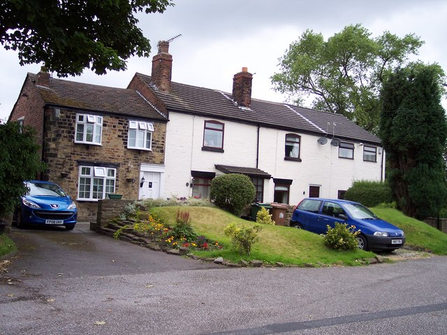 Cottages next Linear Park in Rainford - geograph.org.uk - 868437