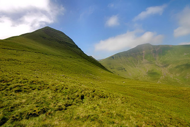 Cribyn with Pen y Fan behind - geograph.org.uk - 461664