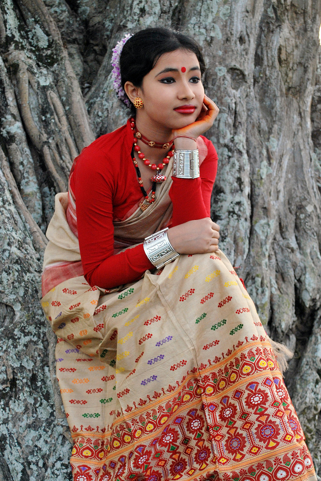 A women in the traditional Assam dress