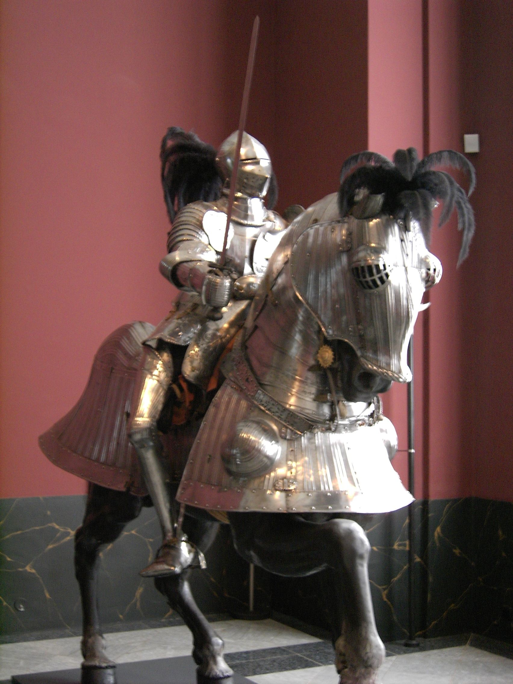 filedresdenzwingerarmouryarmor02jpg