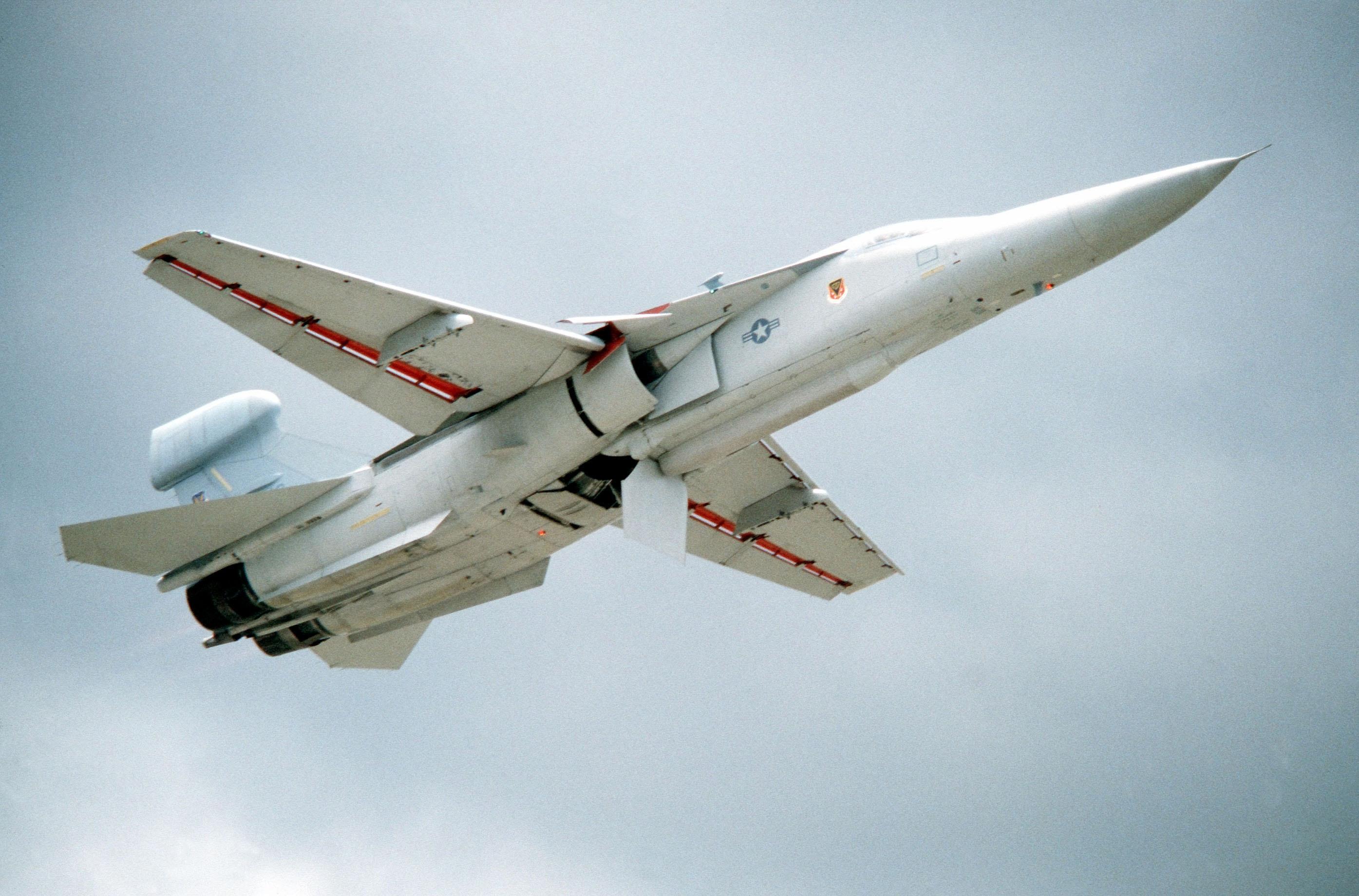 File:EF-111A Raven underside.jpg - Wikimedia Commons