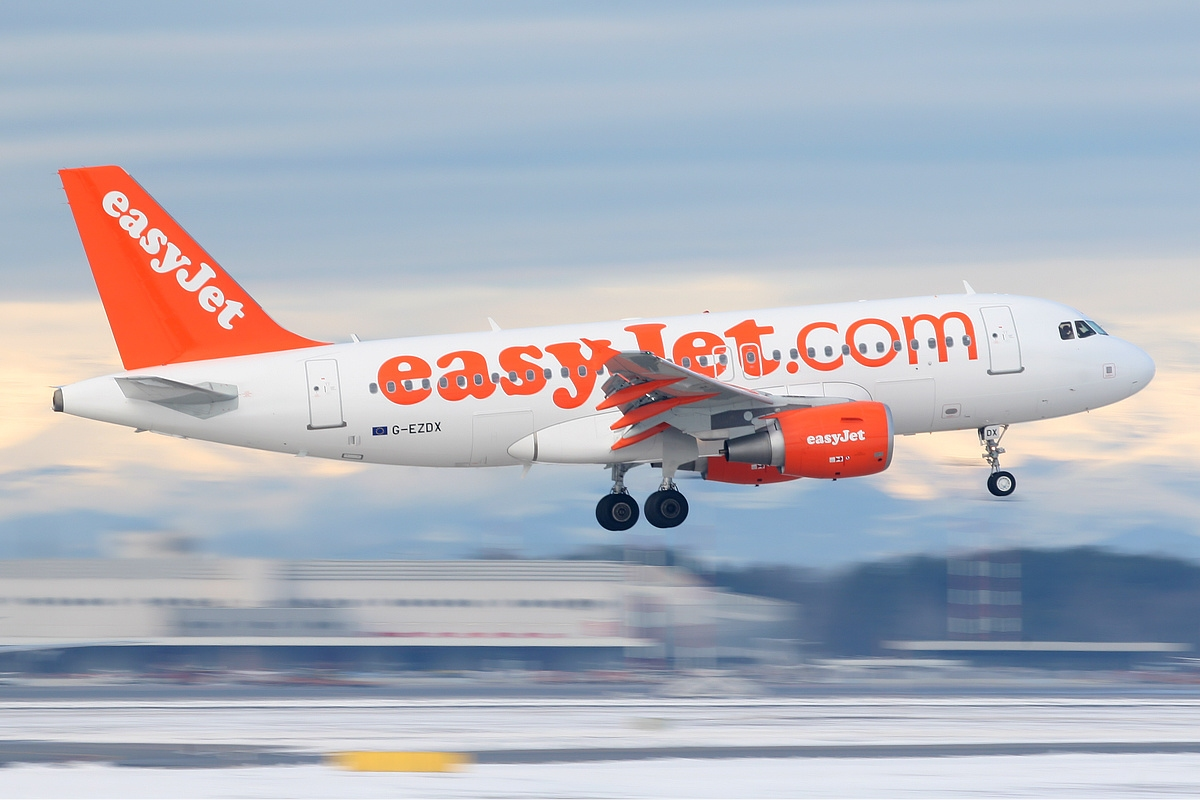 easyjet a319 - photo #7