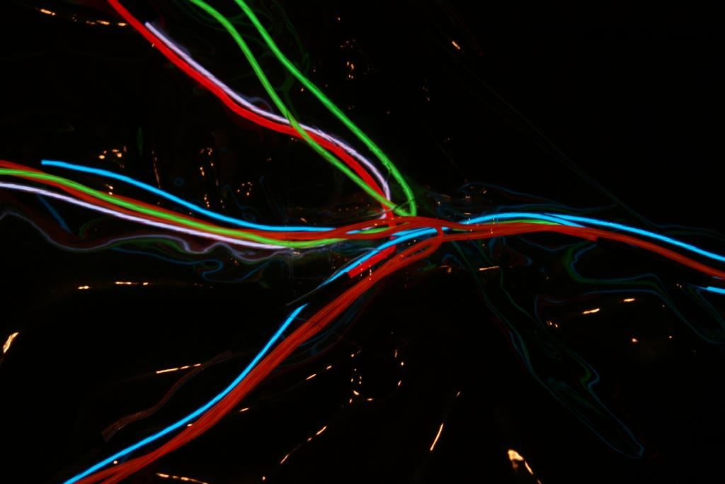Electroluminescent wire - Wikipedia