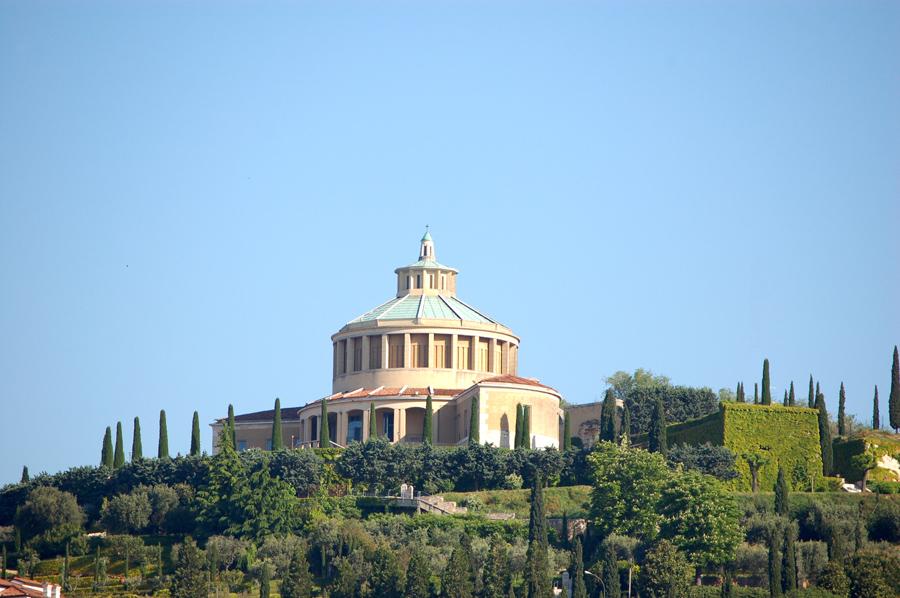 Risultati immagini per collina di San Leonardo