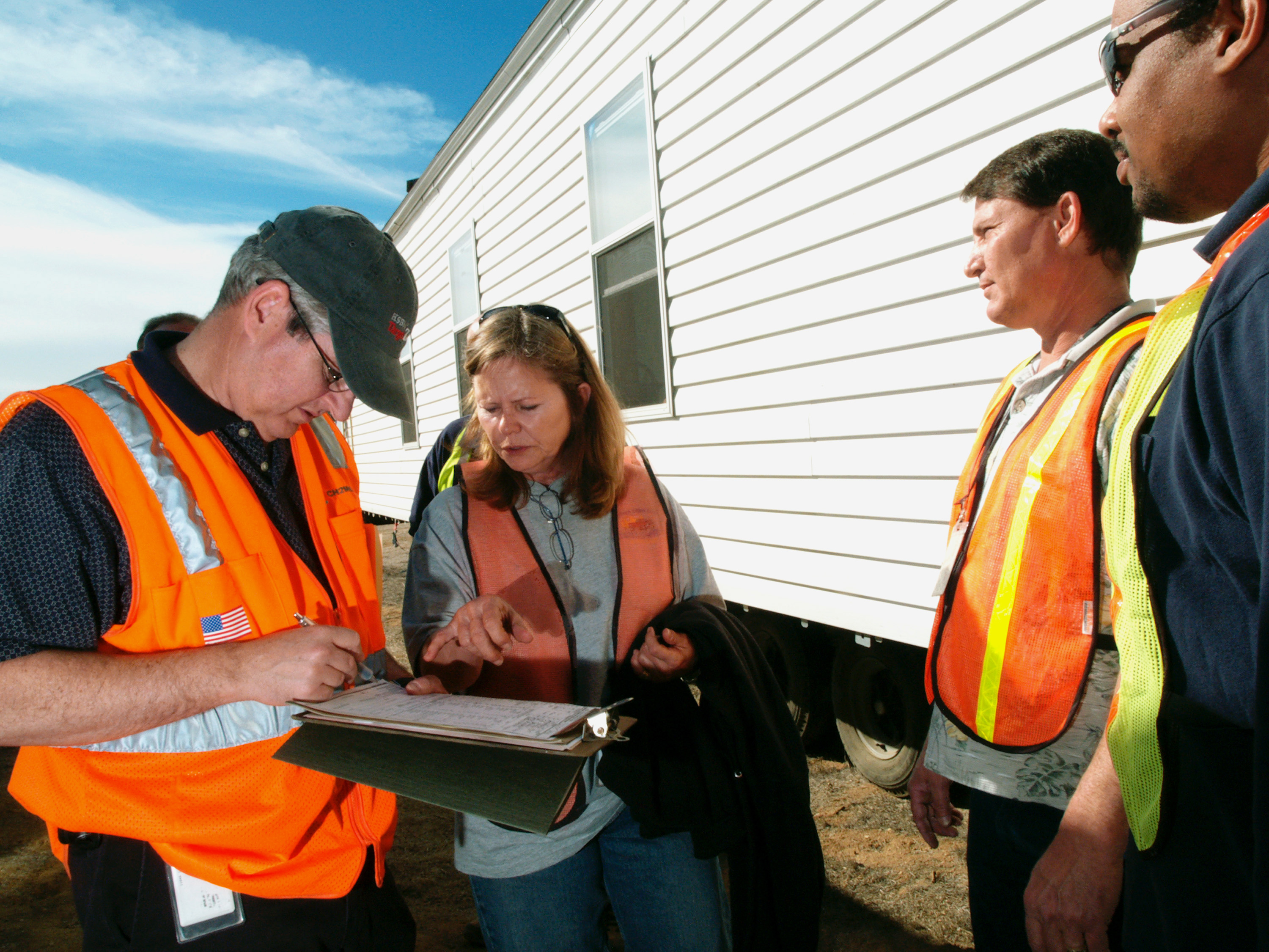FEMA_-_33705_-_FEMA_and_contractors_meet_about_mobile_homes_in_California.jpg